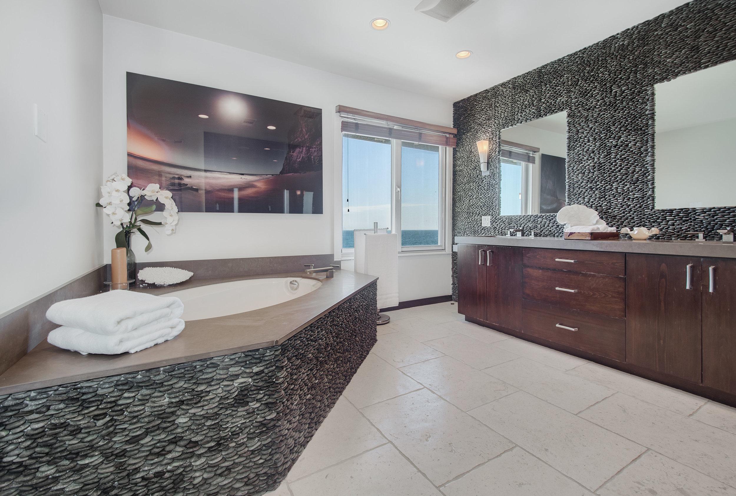 017 Master Bathroom 25342 Malibu Road For Sale Lease The Malibu Life Team Luxury Real Estate.jpg