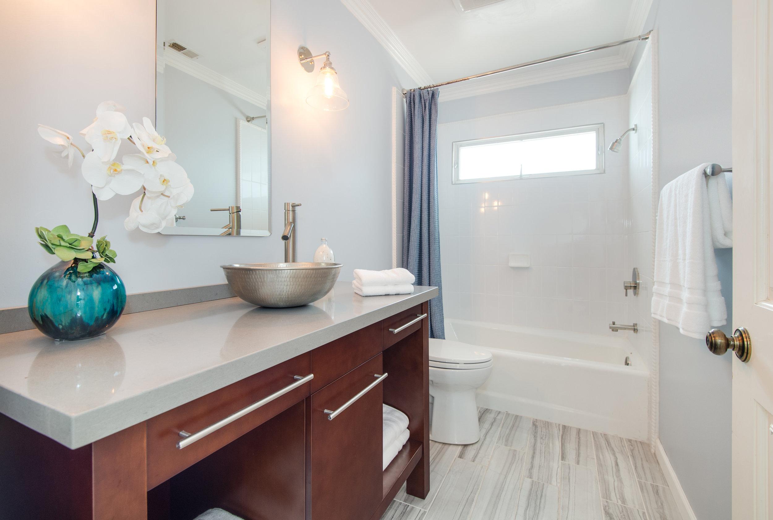 021 Bathroom 25342 Malibu Road For Sale Lease The Malibu Life Team Luxury Real Estate.jpg