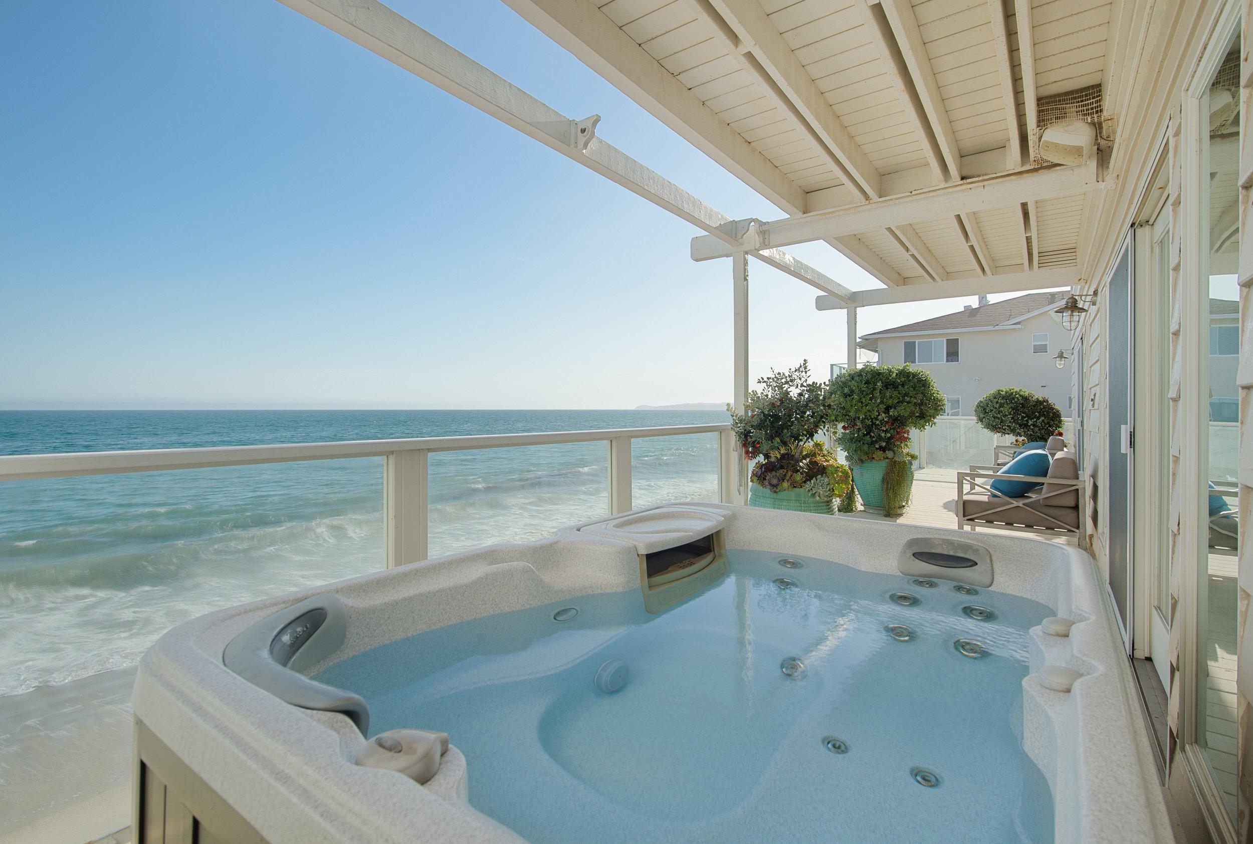 024 Deck 25342 Malibu Road For Sale Lease The Malibu Life Team Luxury Real Estate.jpg