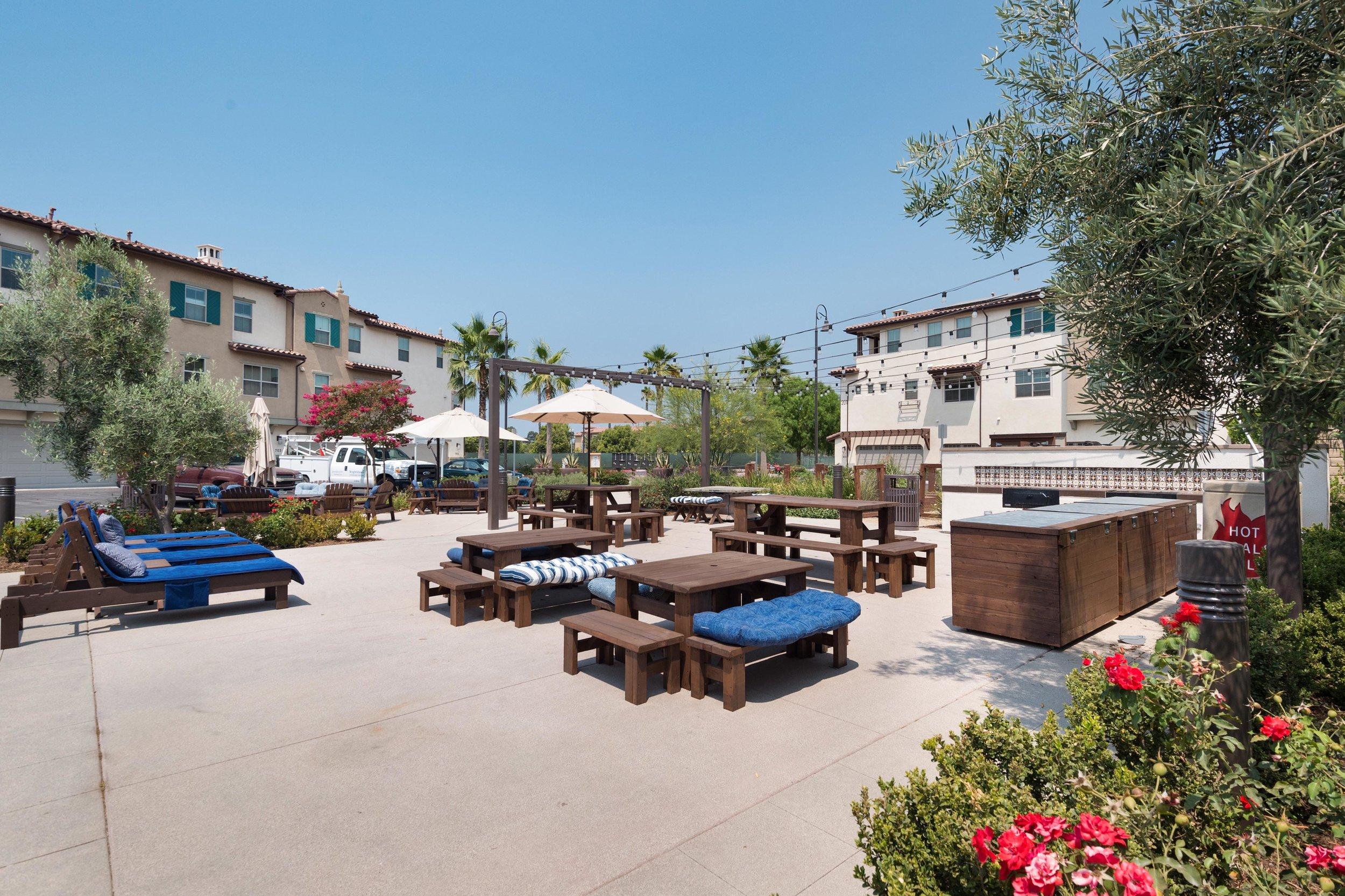 004 Courtyard 207 Westpark Court Unit 702 Camarillo Bally Khehra For Sale Lease The Malibu Life Team Luxury Real Estate.jpg
