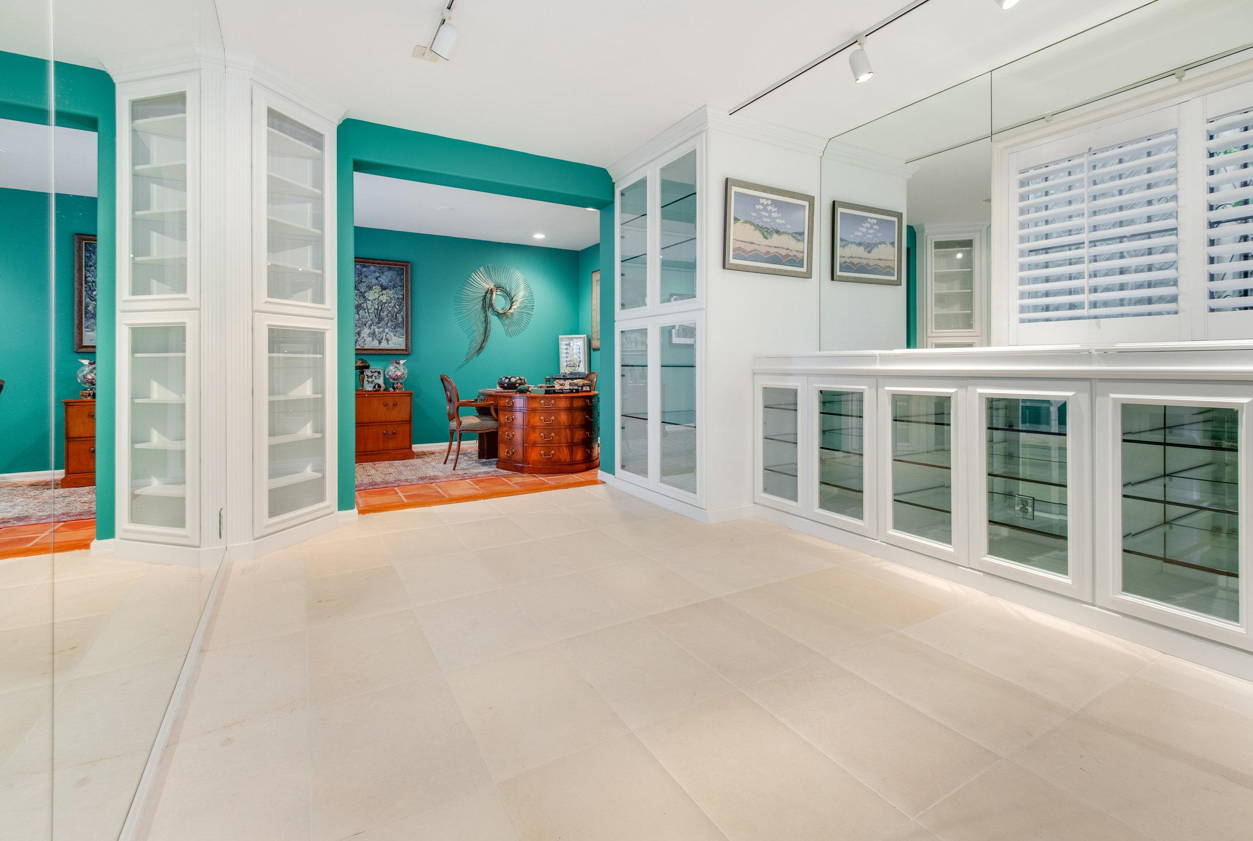 010.5 room Malibu For Sale Lease The Malibu Life Team Luxury Real Estate.jpg