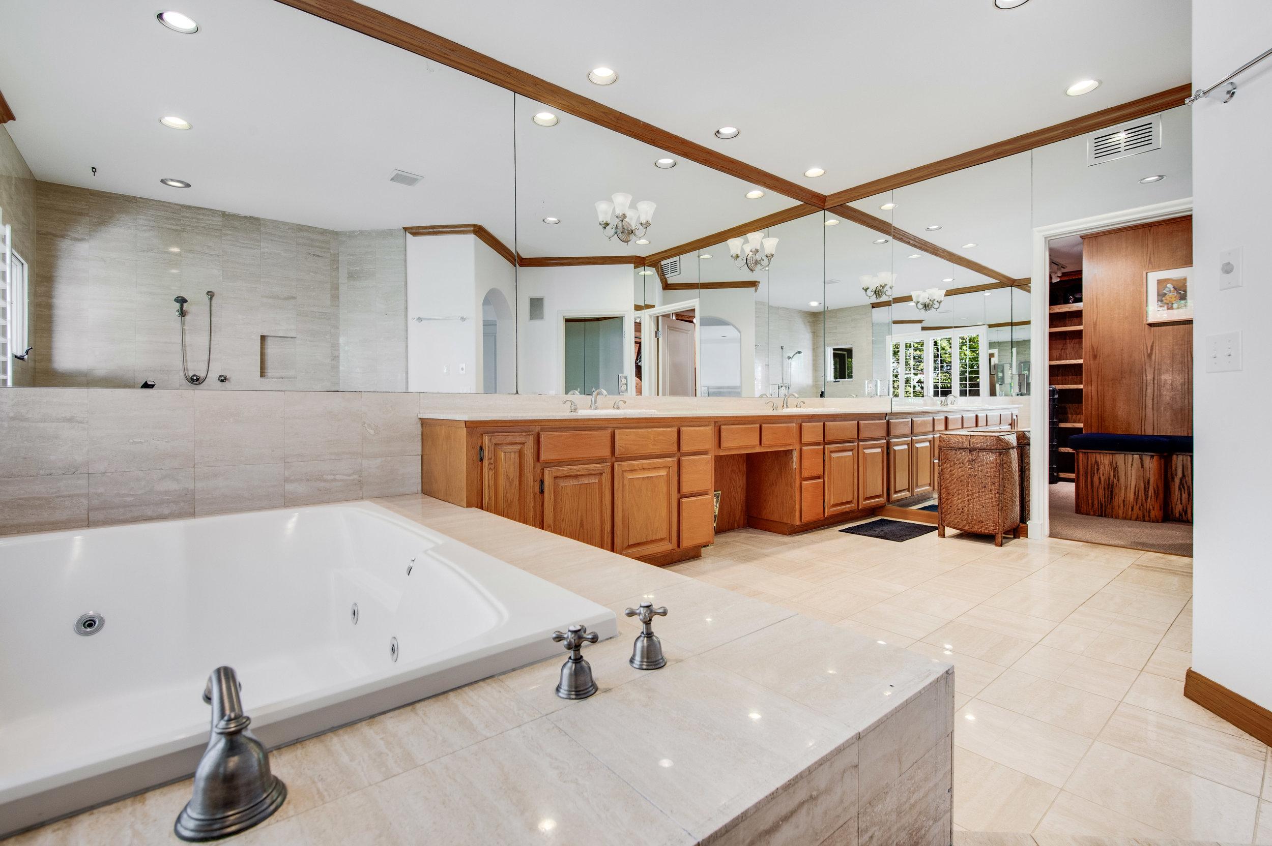 012 Master Bath Malibu For Sale Lease The Malibu Life Team Luxury Real Estate.jpg