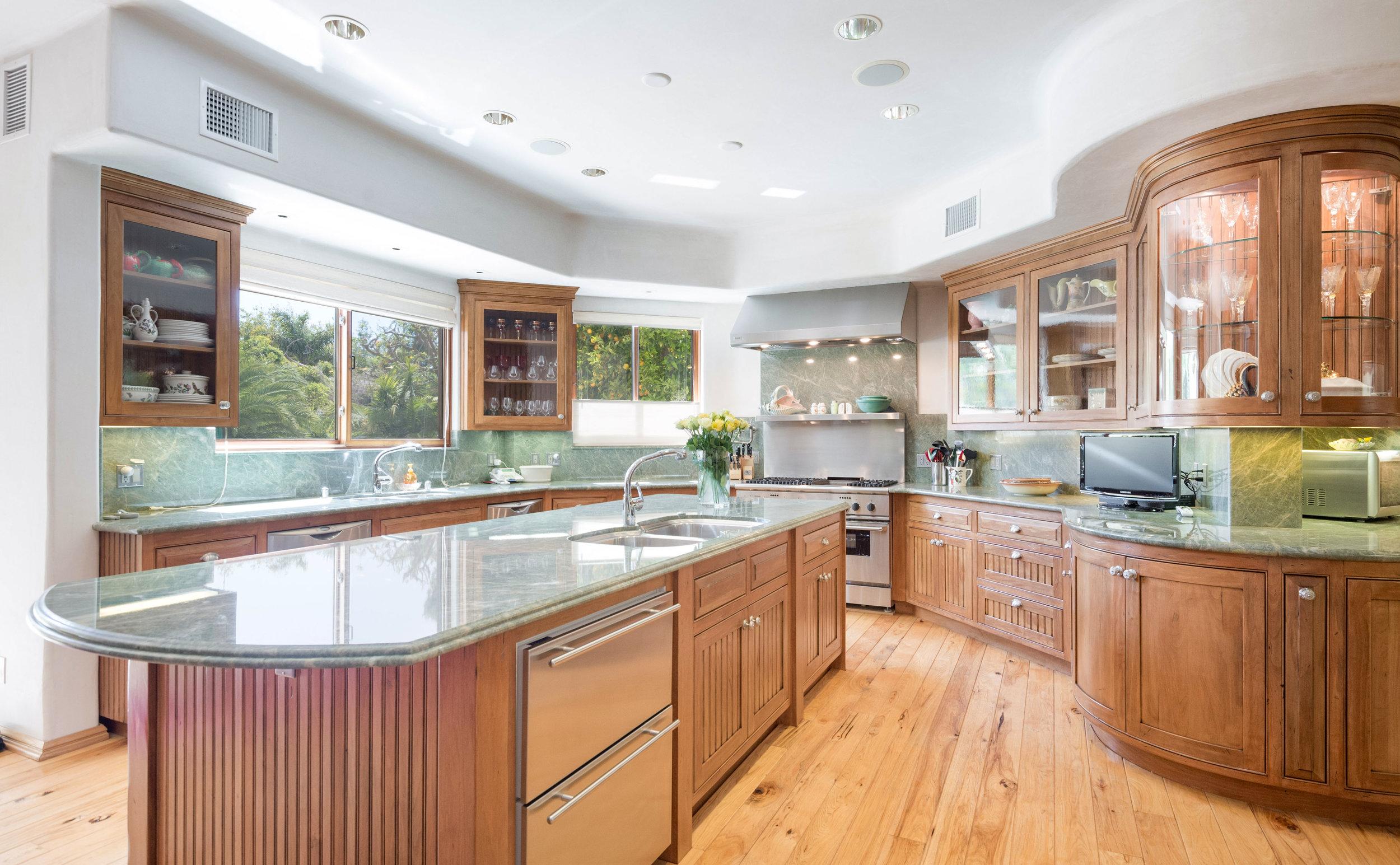 004 kitchen 6405 bonsall Malibu For Sale The Malibu Life Team Luxury Real Estate.jpg