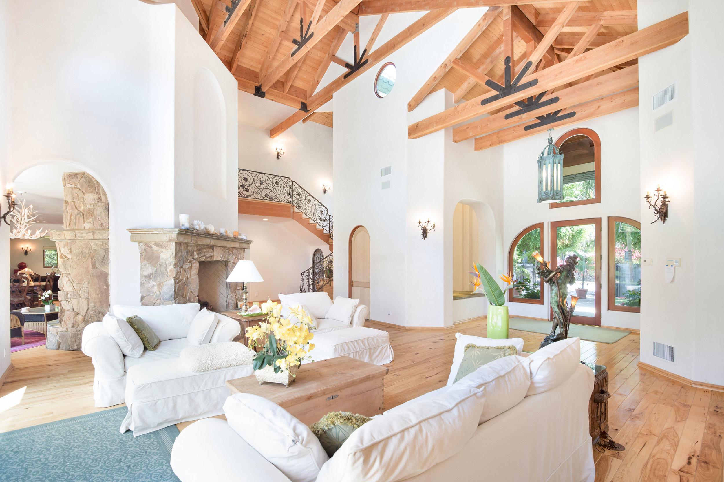 003 livingroom 6405 bonsall Malibu For Sale The Malibu Life Team Luxury Real Estate.jpg