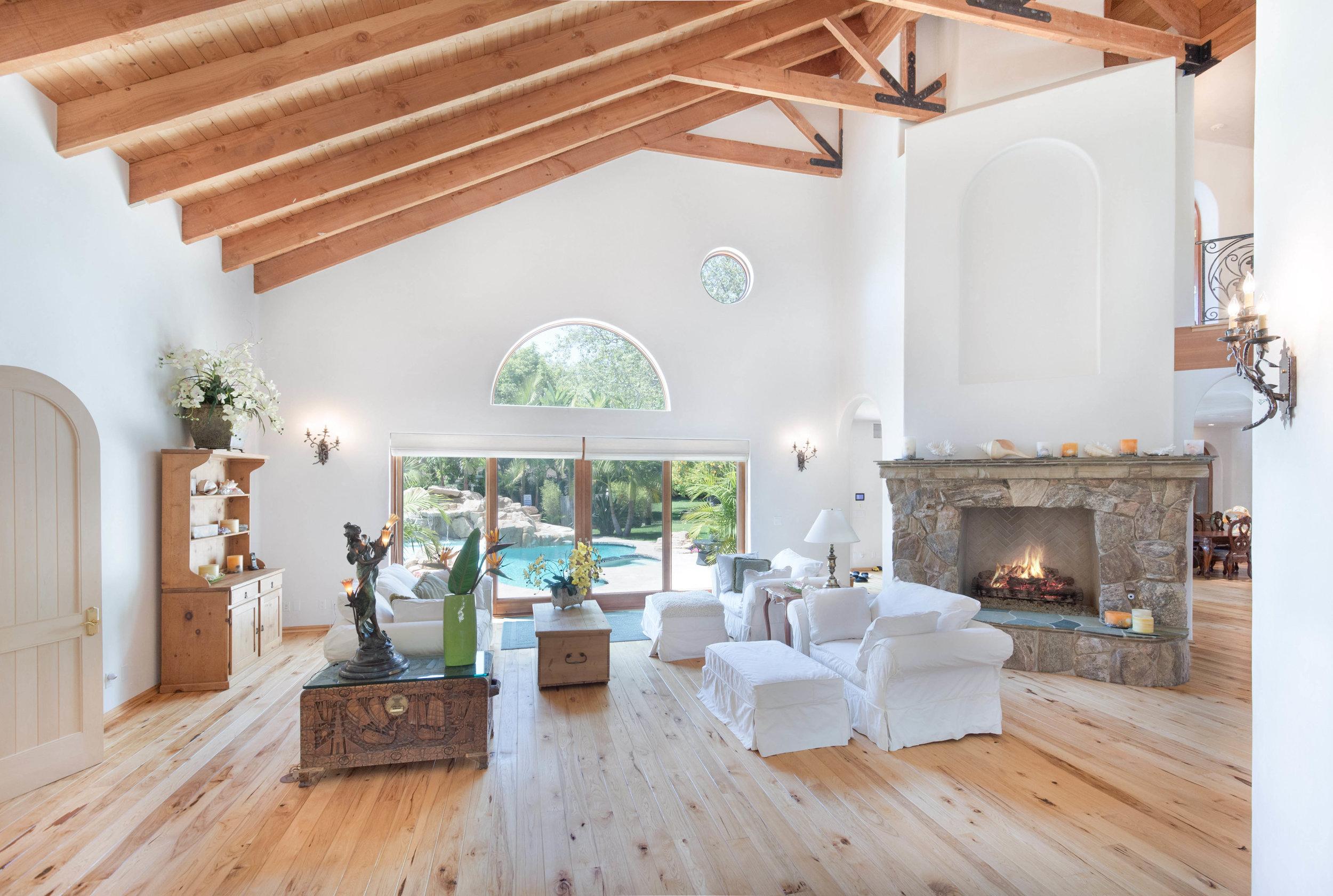 005 living room 6405 bonsall Malibu For Sale The Malibu Life Team Luxury Real Estate.jpg