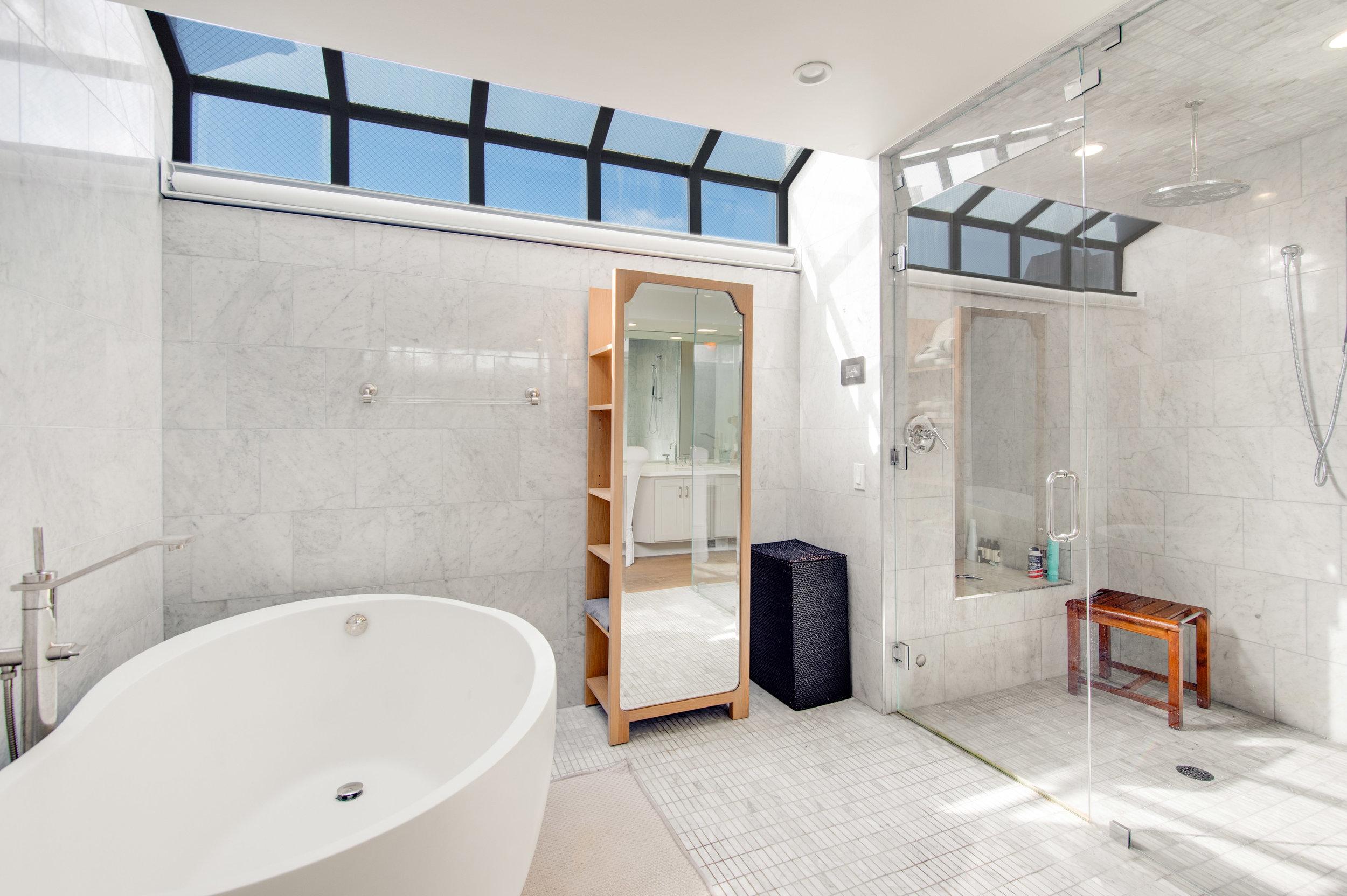 018 Master Bathroom 25252 Malibu Road For Sale Lease The Malibu Life Team Luxury Real Estate.jpg