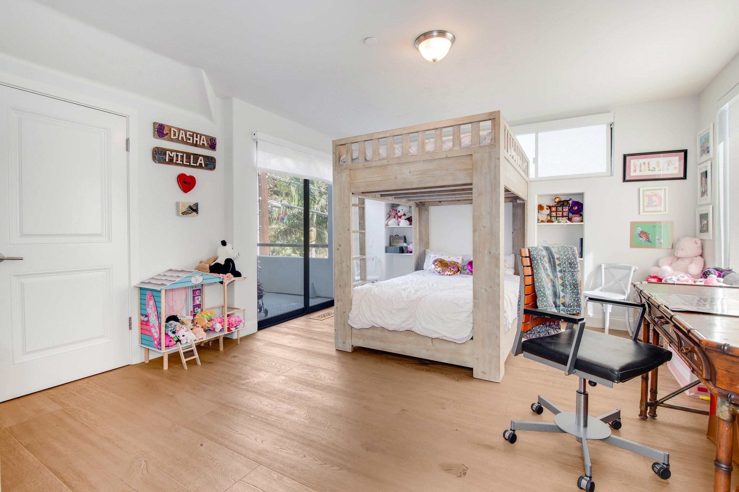 021 Bedroom 25252 Malibu Road For Sale Lease The Malibu Life Team Luxury Real Estate.jpg