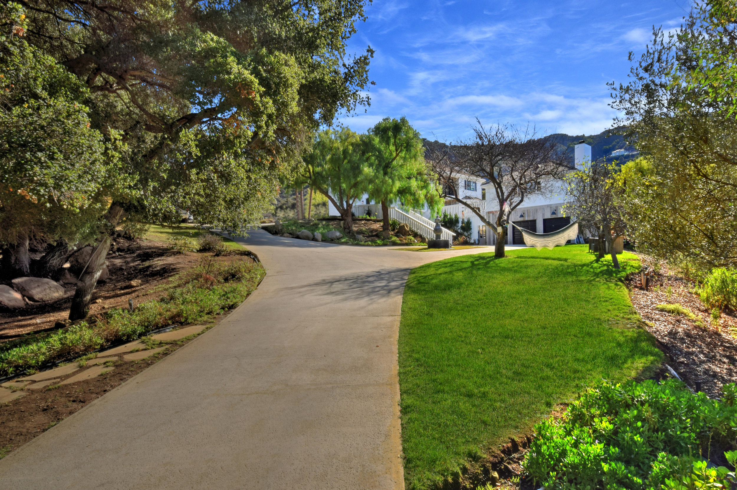 009 Driveway 560 Cold Canyon Road For Sale Lease The Malibu Life Team Luxury Real Estate.jpg