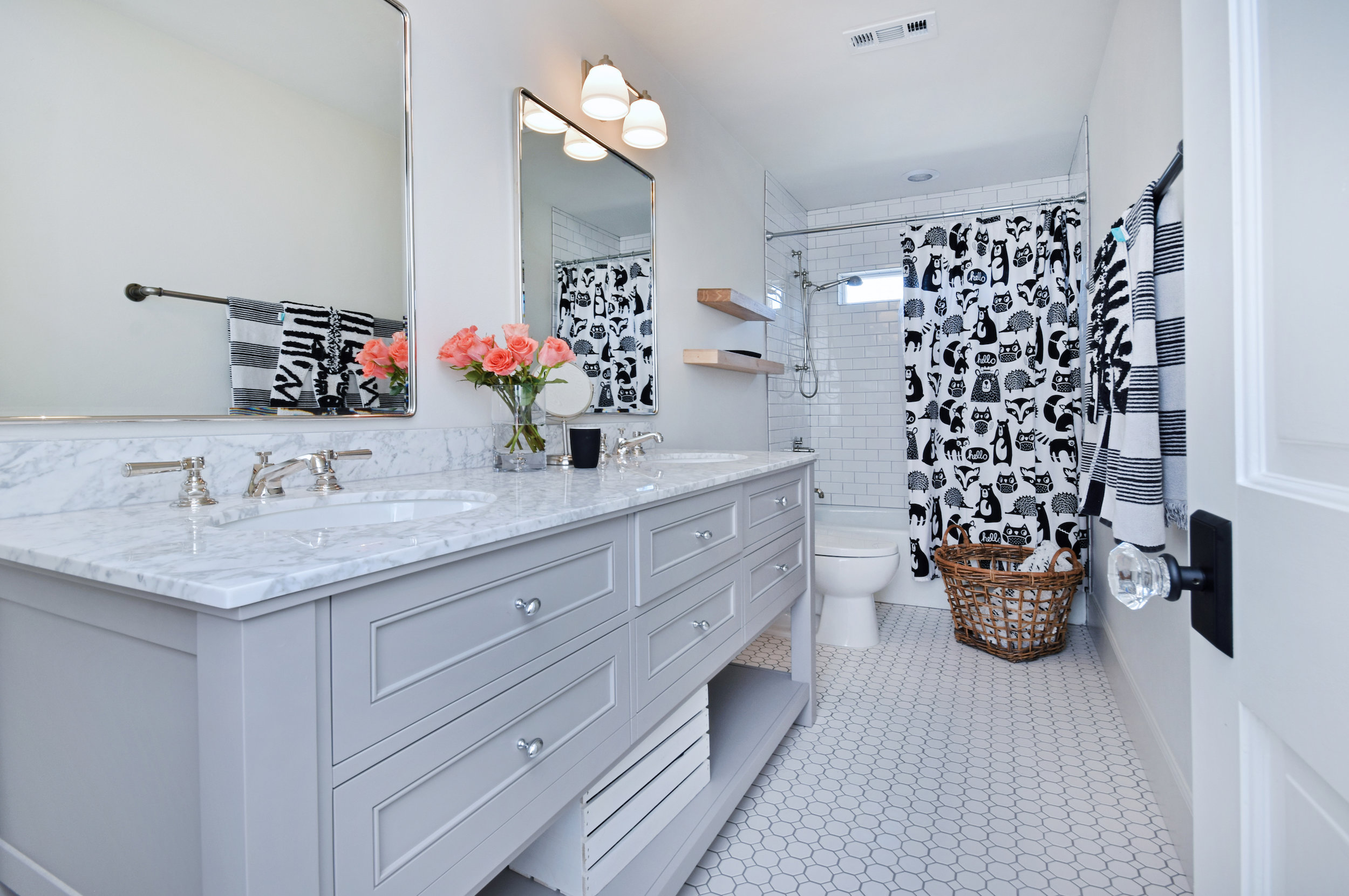 026 Bathroom 560 Cold Canyon Road For Sale Lease The Malibu Life Team Luxury Real Estate.jpg