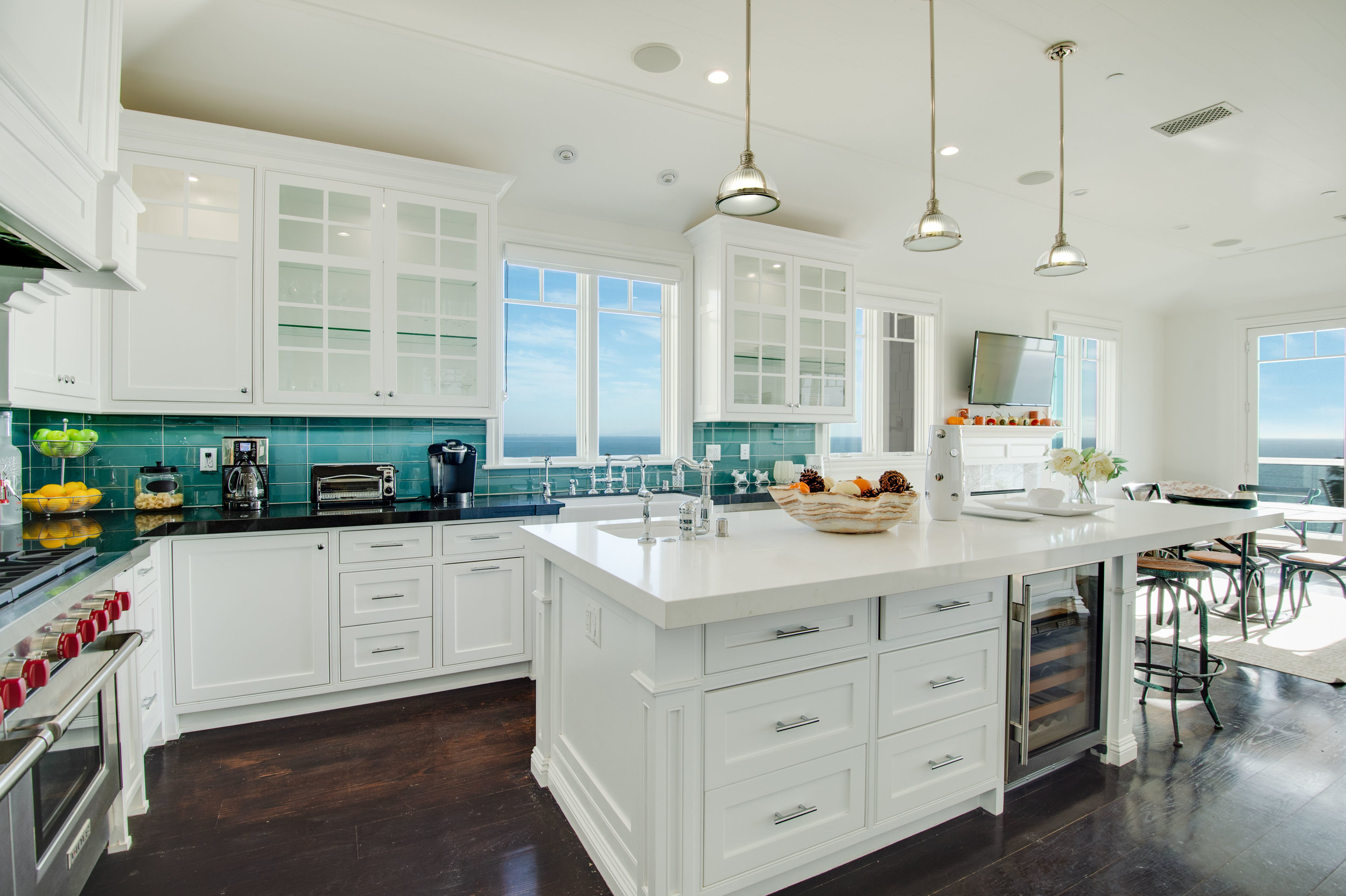 008 Kitchen 17819 Castellammare Drive Pacific Palisades For Sale Lease The Malibu Life Team Compass Luxury Real Estate.jpg