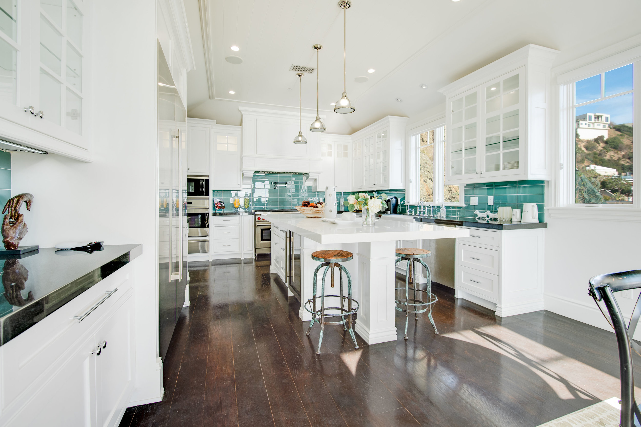 009 Kitchen 17819 Castellammare Drive Pacific Palisades For Sale Lease The Malibu Life Team Compass Luxury Real Estate.jpg