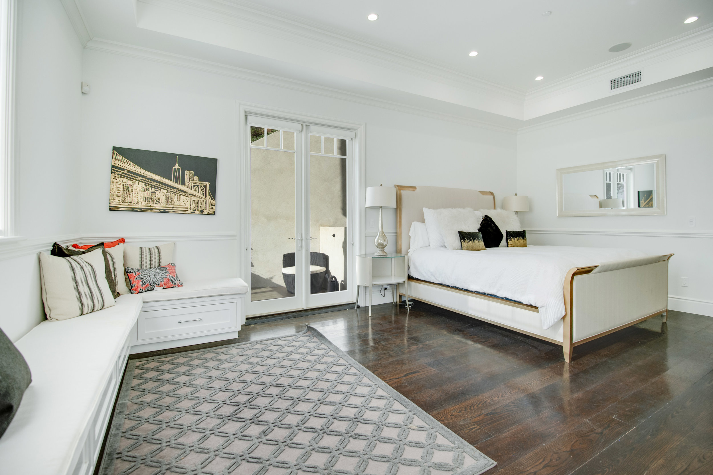 018 Bedroom 17819 Castellammare Drive Pacific Palisades For Sale Lease The Malibu Life Team Compass Luxury Real Estate.jpg