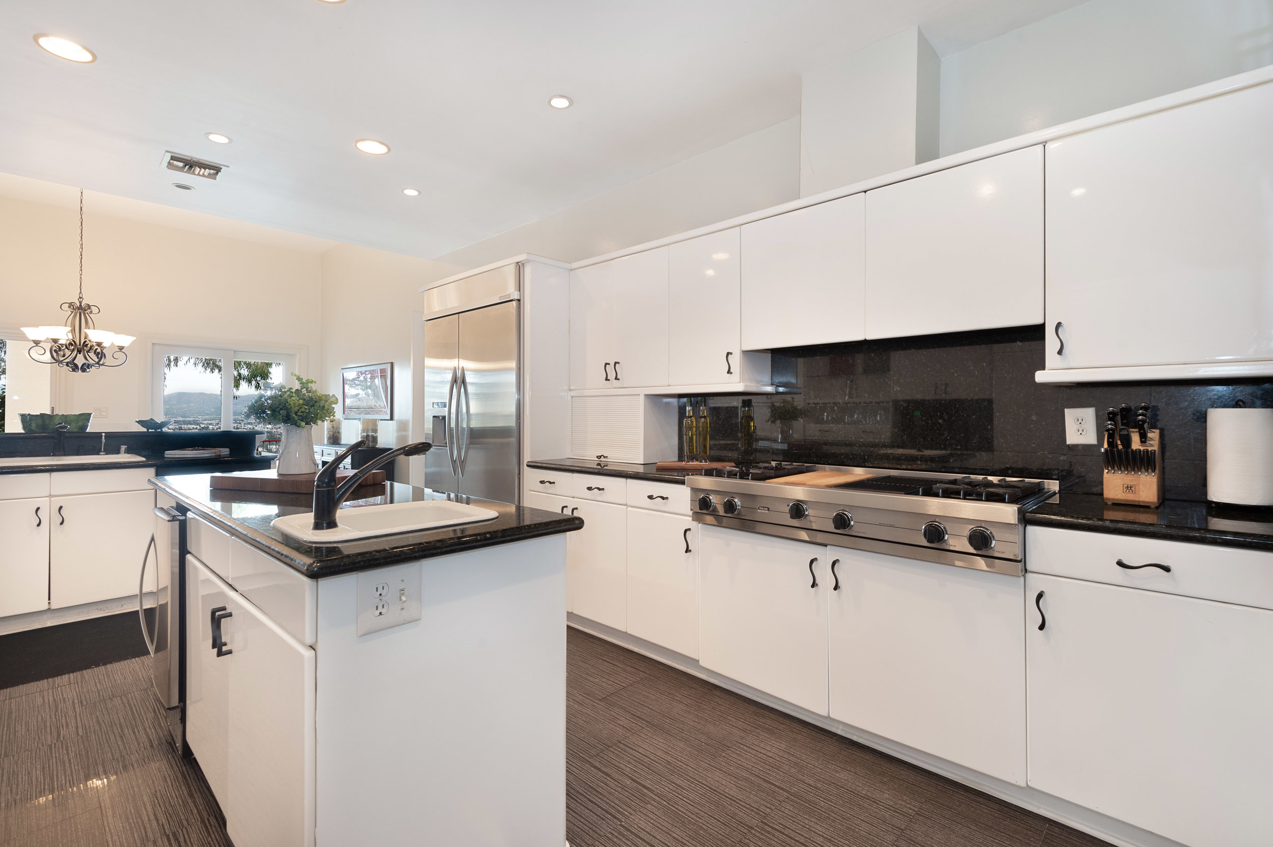 007 Kitchen. 12027 Talus Place Beverly Hills 90210 For Sale Lease The Malibu Life Team Luxury Real Estate.jpg