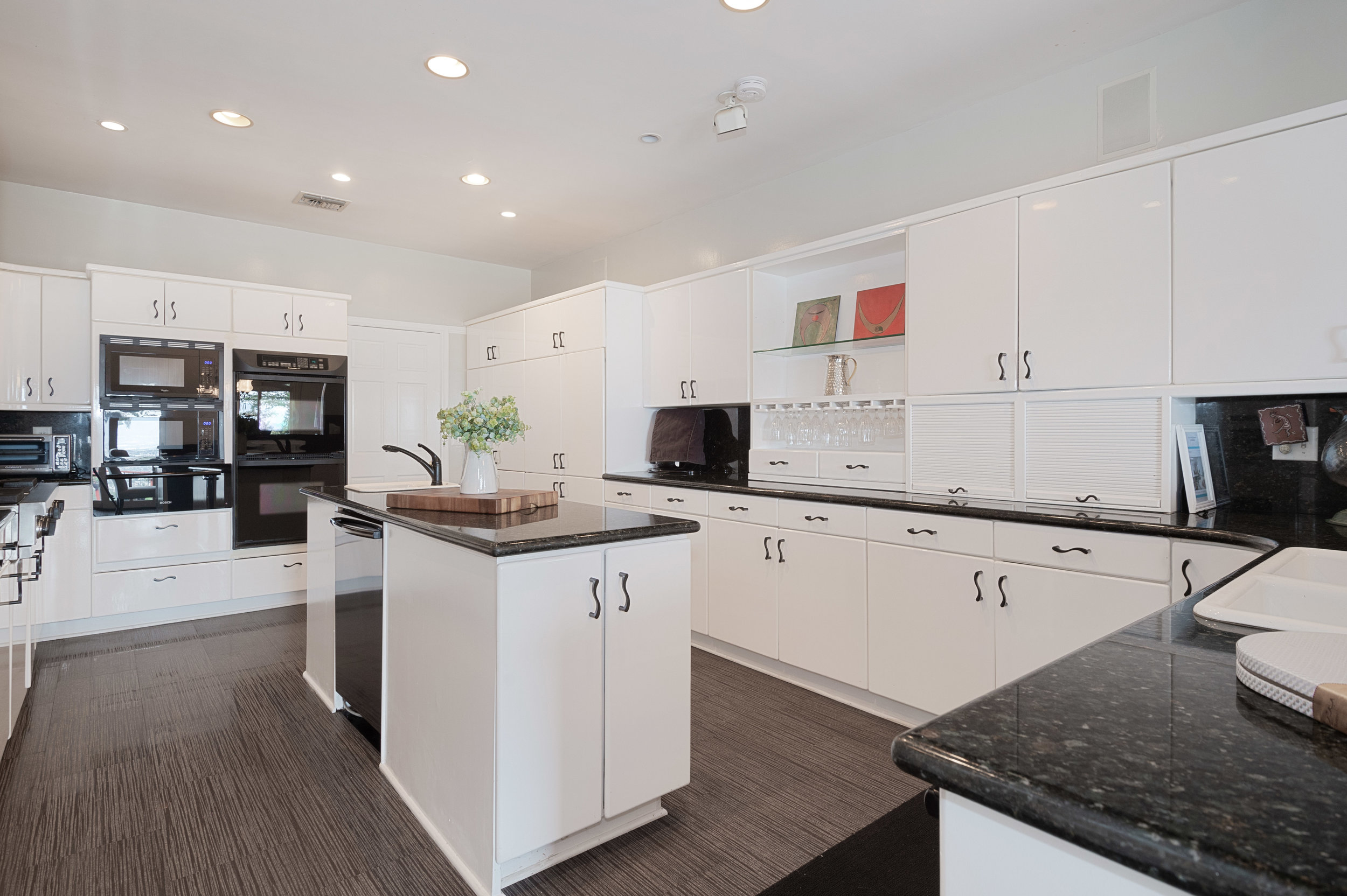 006 Kitchen 12027 Talus Place Beverly Hills 90210 For Sale Lease The Malibu Life Team Luxury Real Estate.jpg