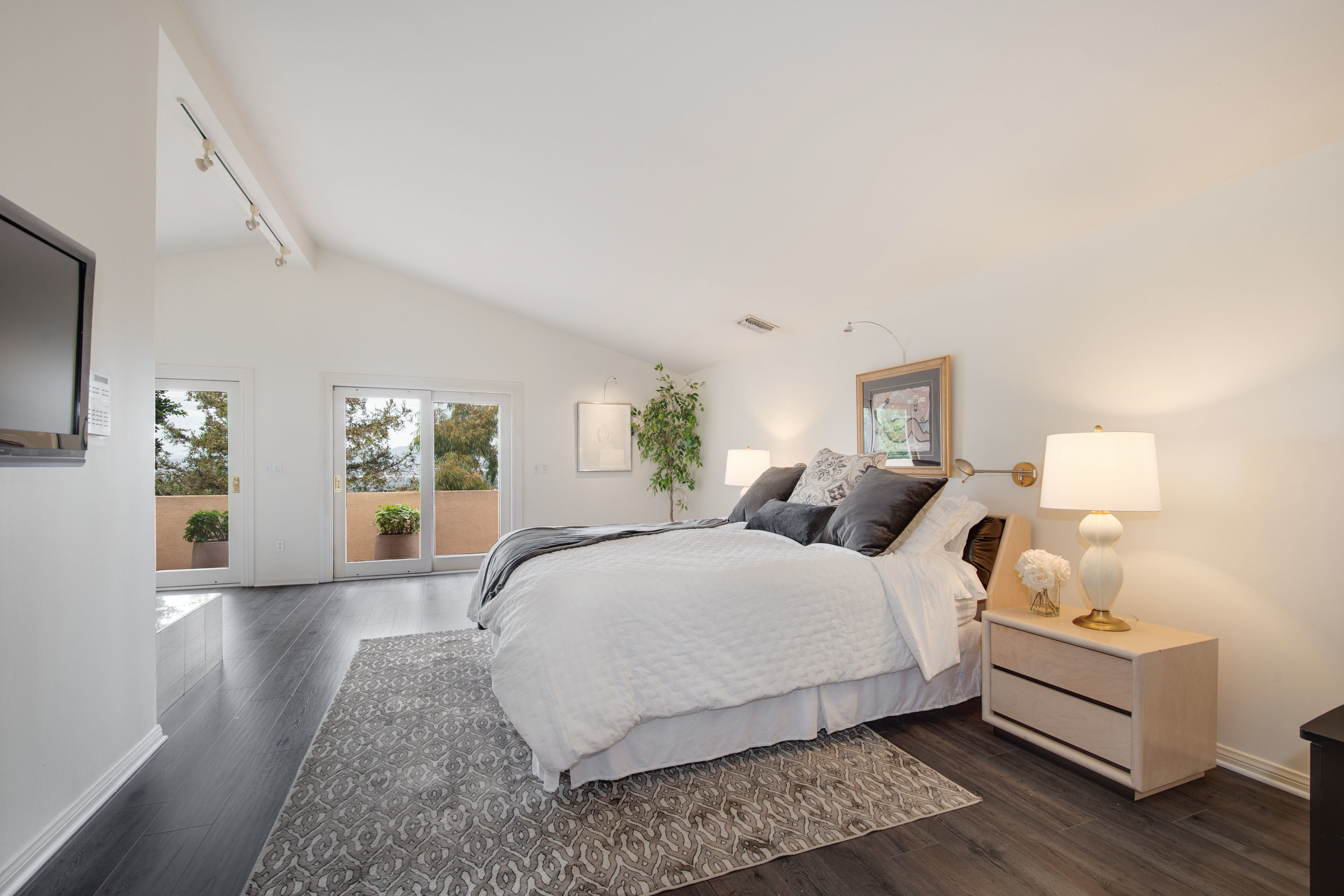 014 Master Bedroom 12027 Talus Place Beverly Hills 90210 For Sale Lease The Malibu Life Team Luxury Real Estate.jpg