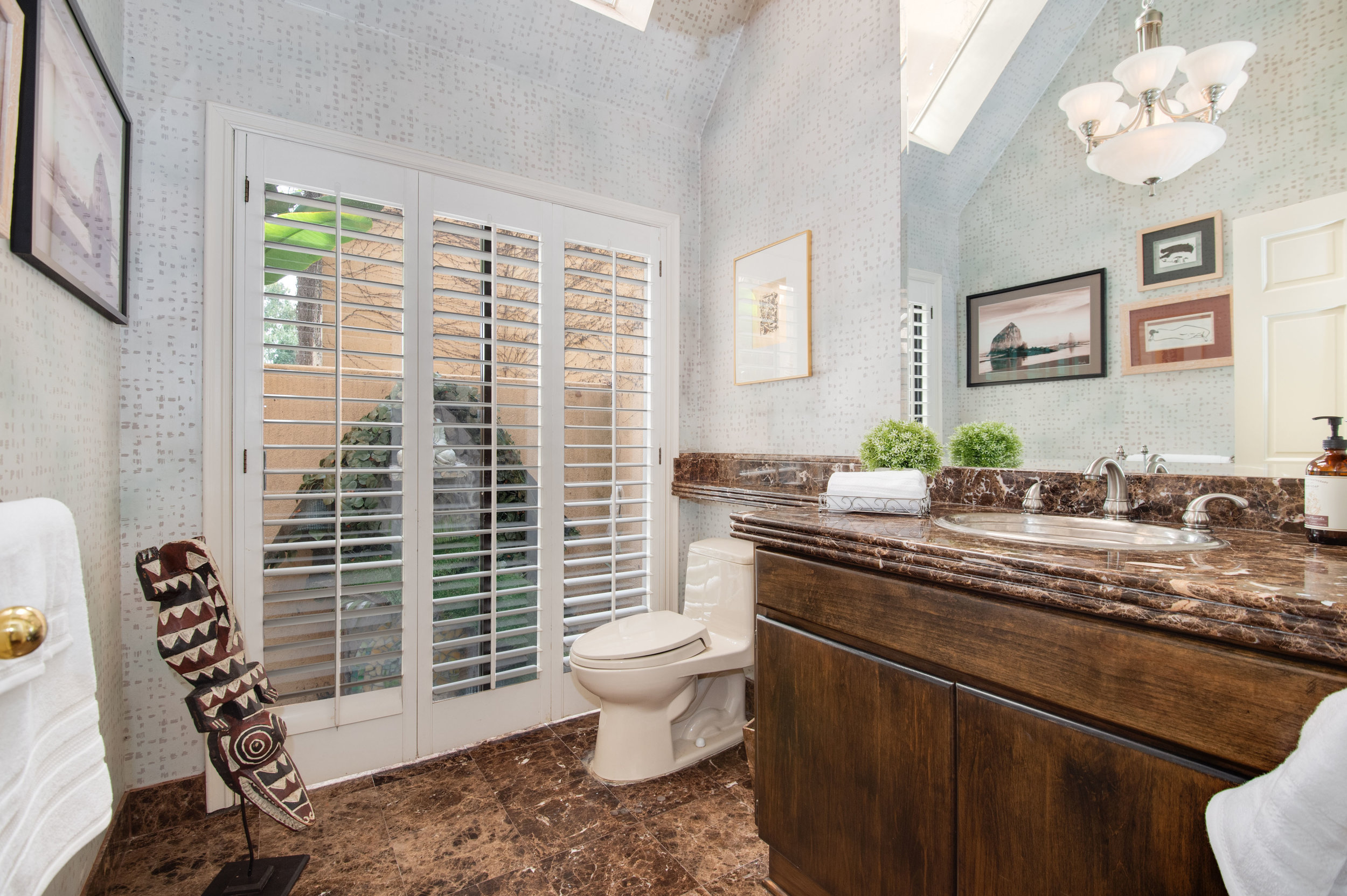 022 Bathroom 12027 Talus Place Beverly Hills 90210 For Sale Lease The Malibu Life Team Luxury Real Estate.jpg