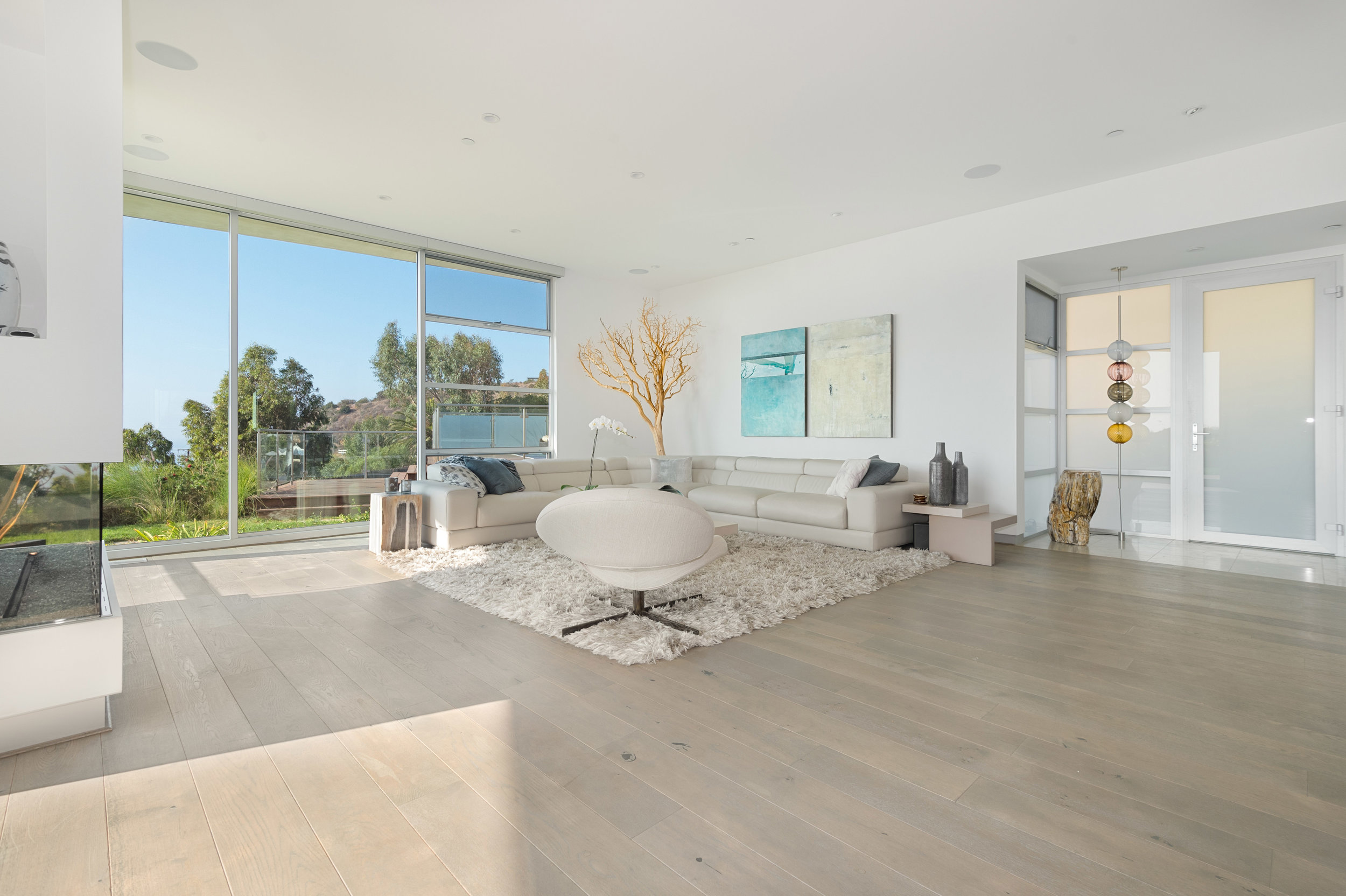 Copy of 009.1 Living Room 20729 Eaglepass For Sale Lease The Malibu Life Team Luxury Real Estate.jpg