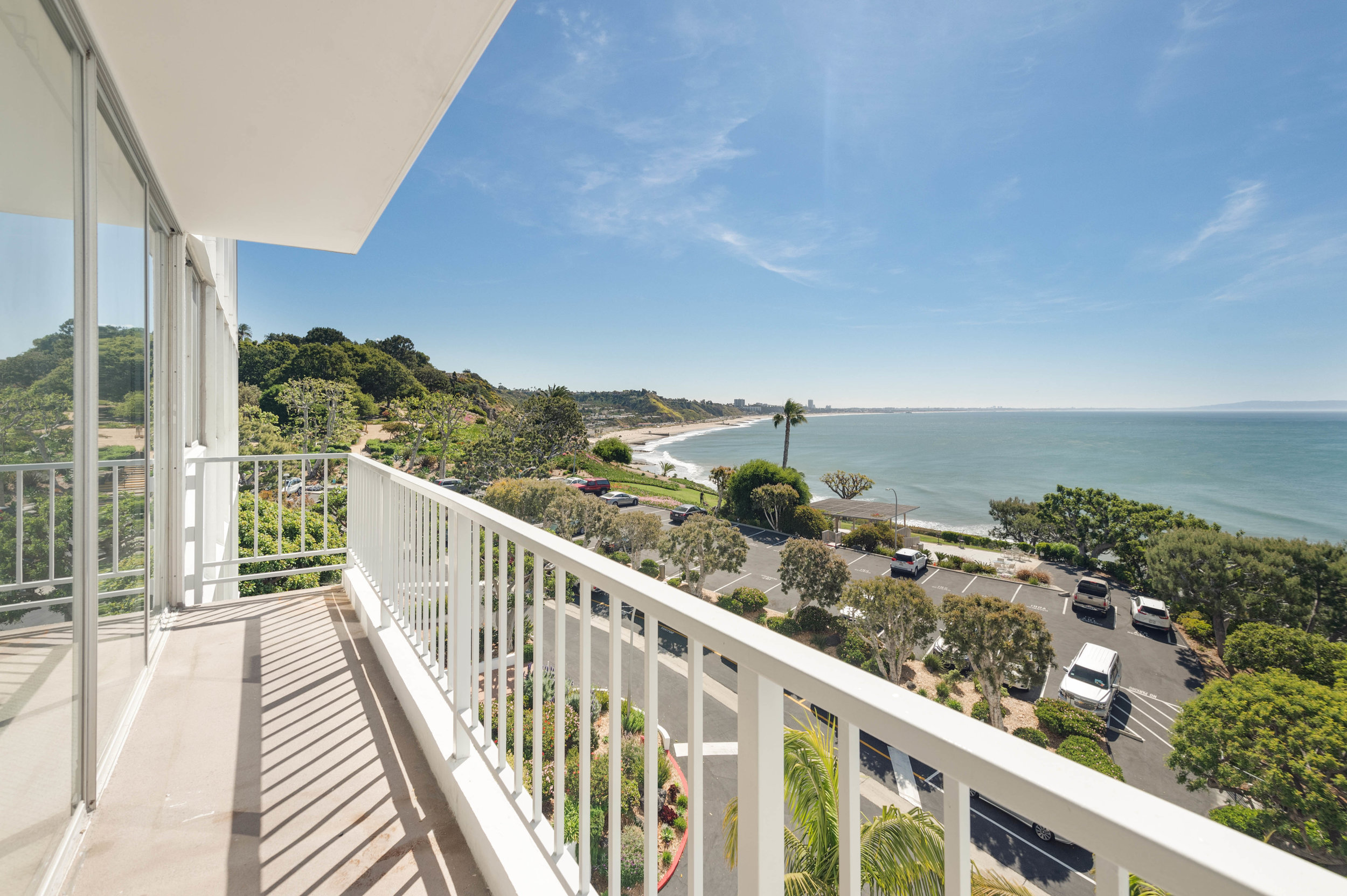 001 Ocean View Deck 17350 West Sunset Boulevard For Sale Lease The Malibu Life Team Luxury Real Estate.jpg