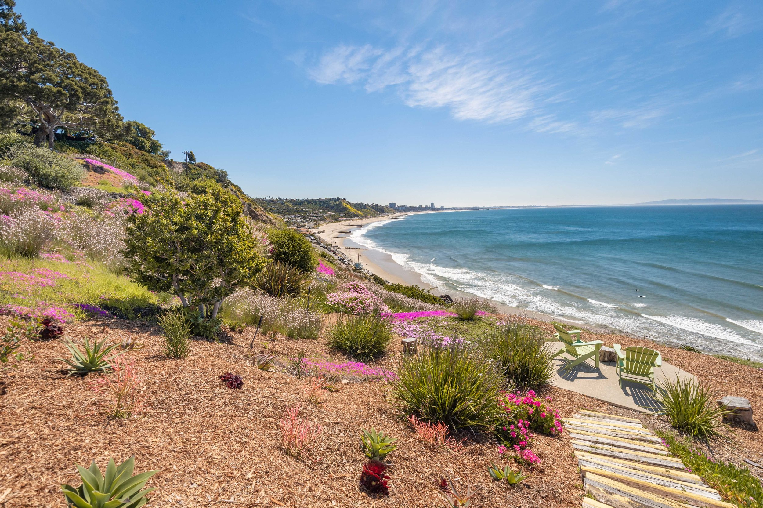 002 Ocean View Park 17350 West Sunset Boulevard For Sale Lease The Malibu Life Team Luxury Real Estate.jpg
