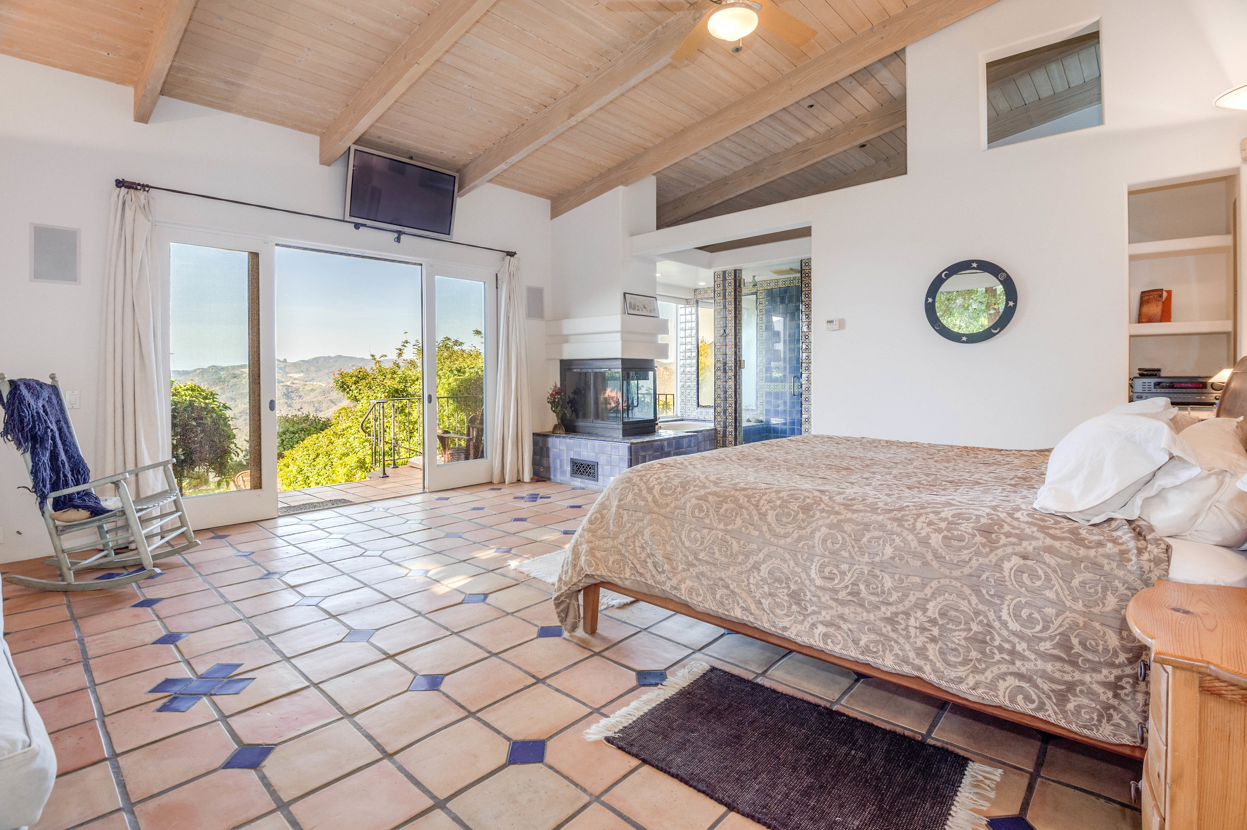 007 Master Bedroom 20333 Reigate Road Topanga For Sale Lease The Malibu Life Team Luxury Real Estate.jpg