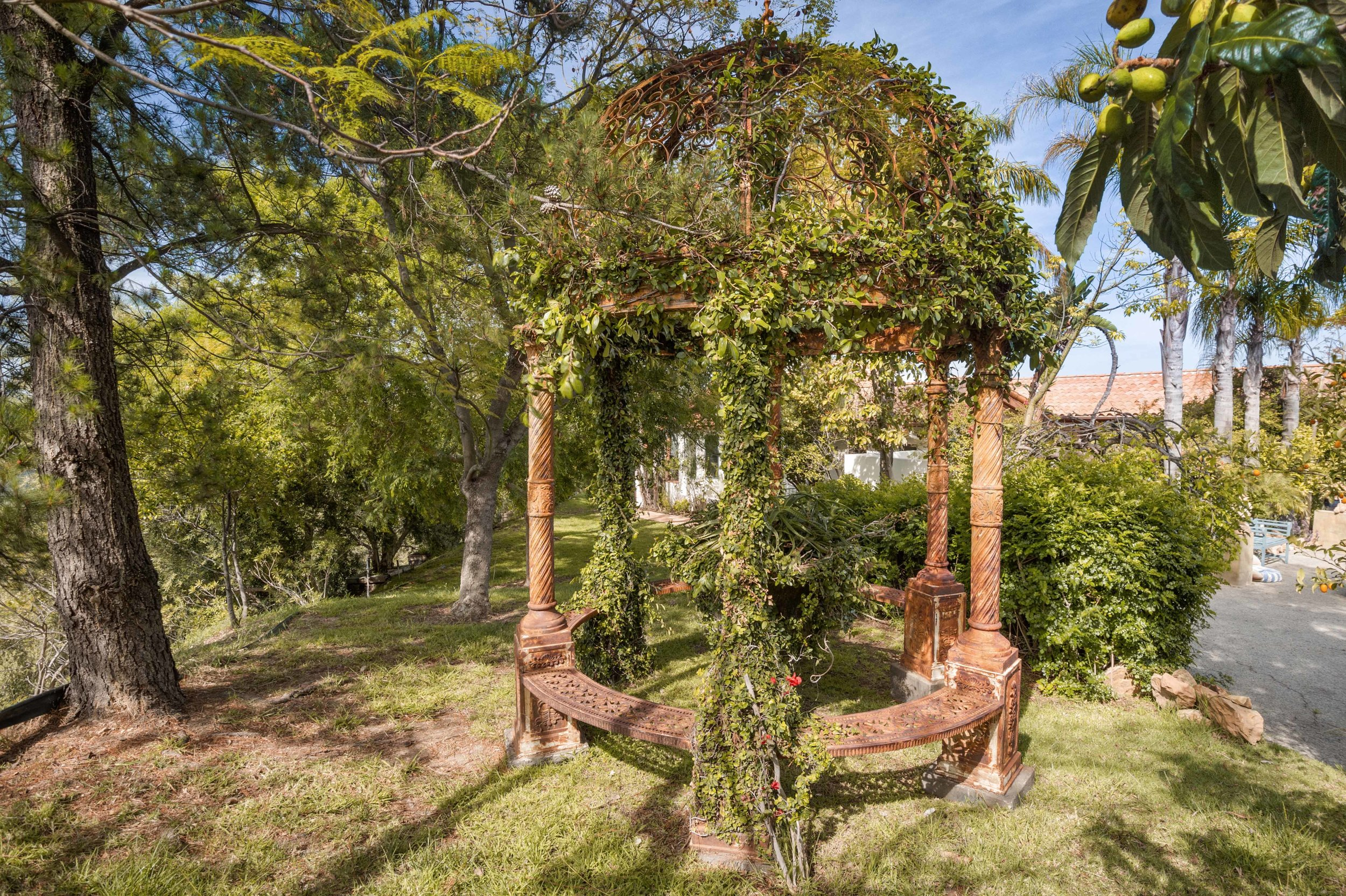 014 Gazebo 20333 Reigate Road Topanga For Sale Lease The Malibu Life Team Luxury Real Estate.jpg