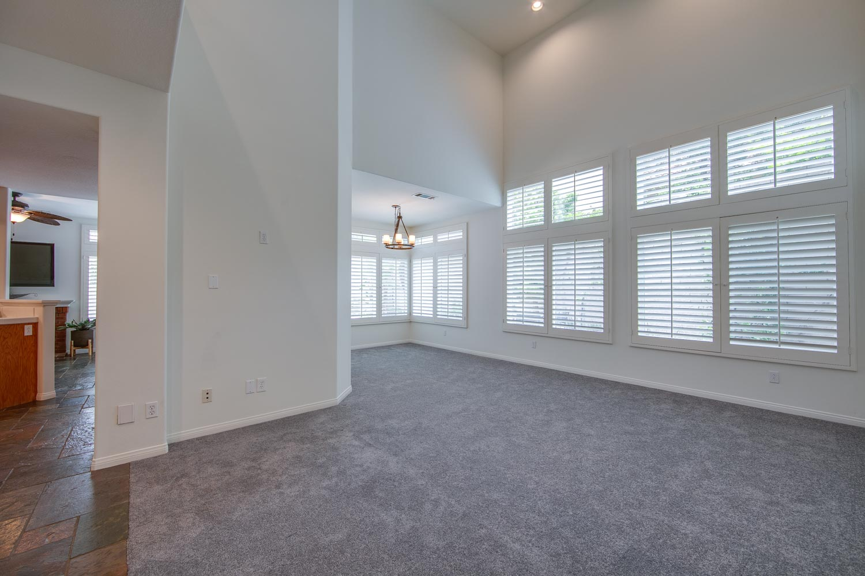 005 Living 4931 Barbados Court Oak Park For Sale Lease The Malibu Life Team Luxury Real Estate.jpg