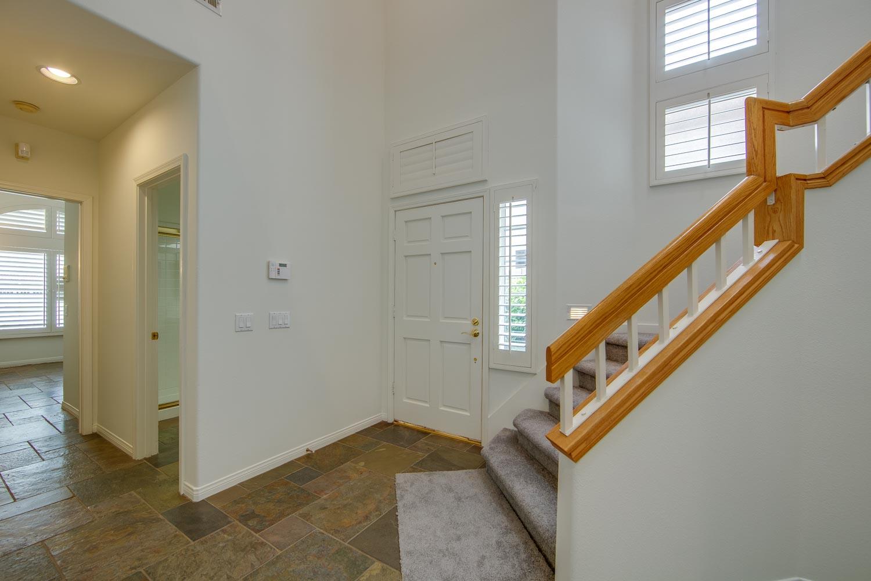 015 Entry 4931 Barbados Court Oak Park For Sale Lease The Malibu Life Team Luxury Real Estate.jpg