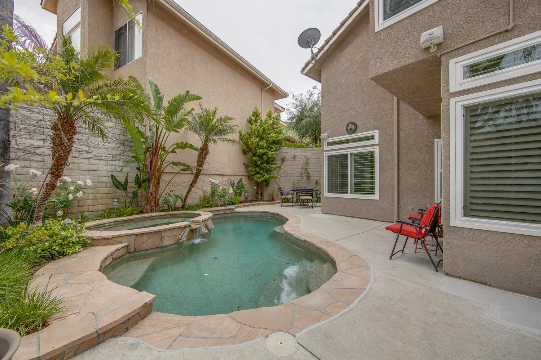 027 Pool 4931 Barbados Court Oak Park For Sale Lease The Malibu Life Team Luxury Real Estate.jpg