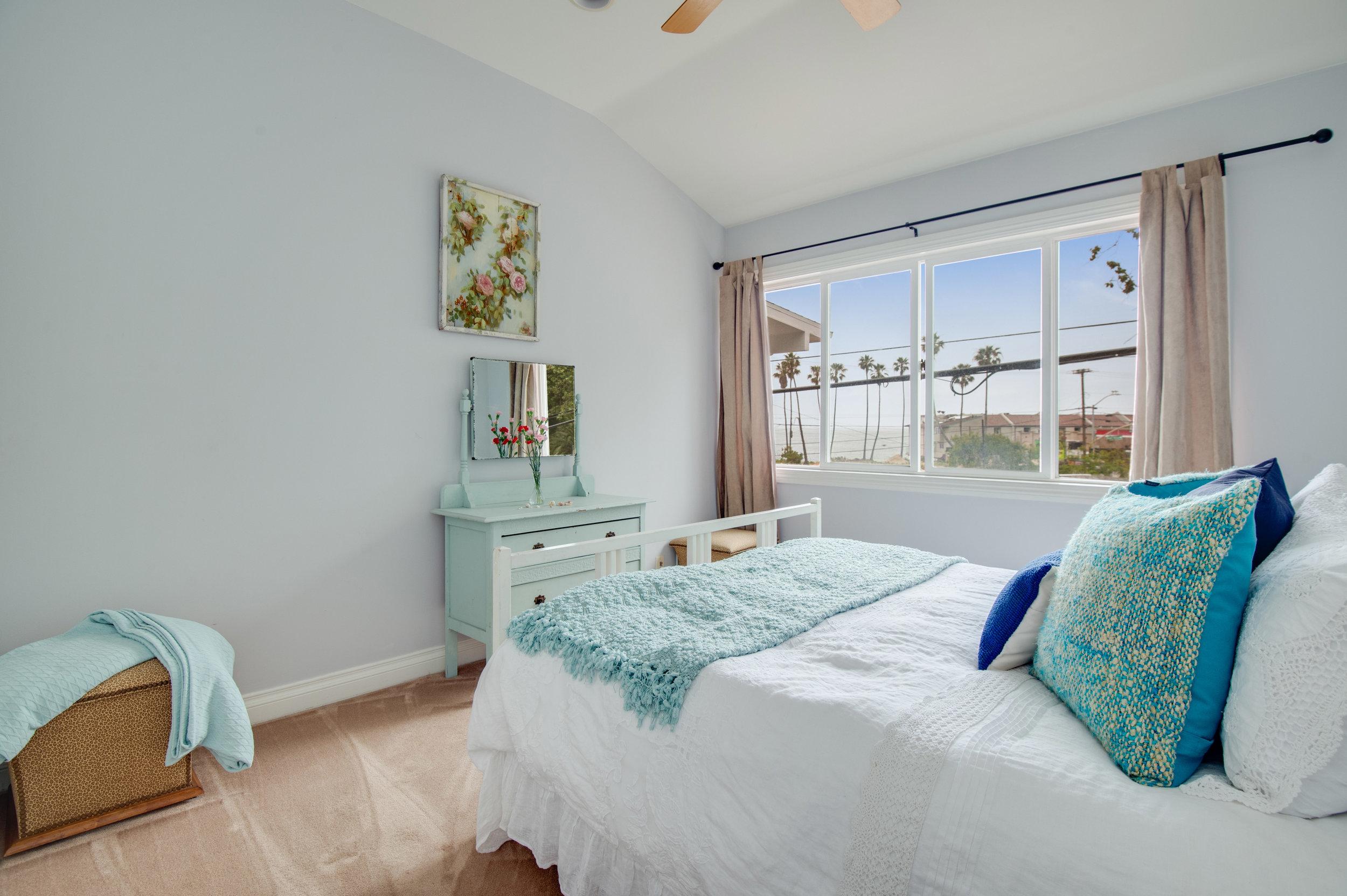 007 Bedrom 3950 Las Flores For Sale Lease The Malibu Life Team Luxury Real Estate.jpg