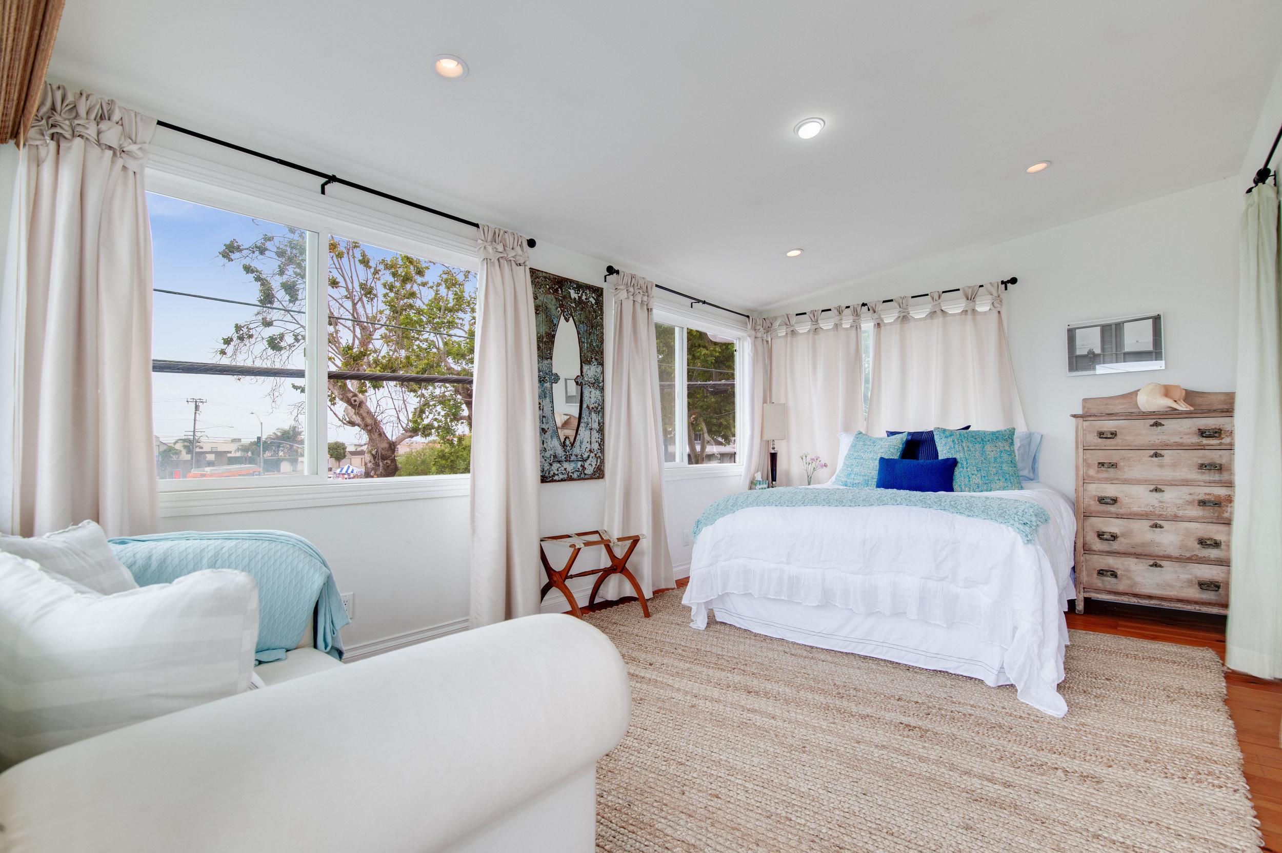 009 Bedroom 3952 Las Flores For Sale Lease The Malibu Life Team Luxury Real Estate.jpg