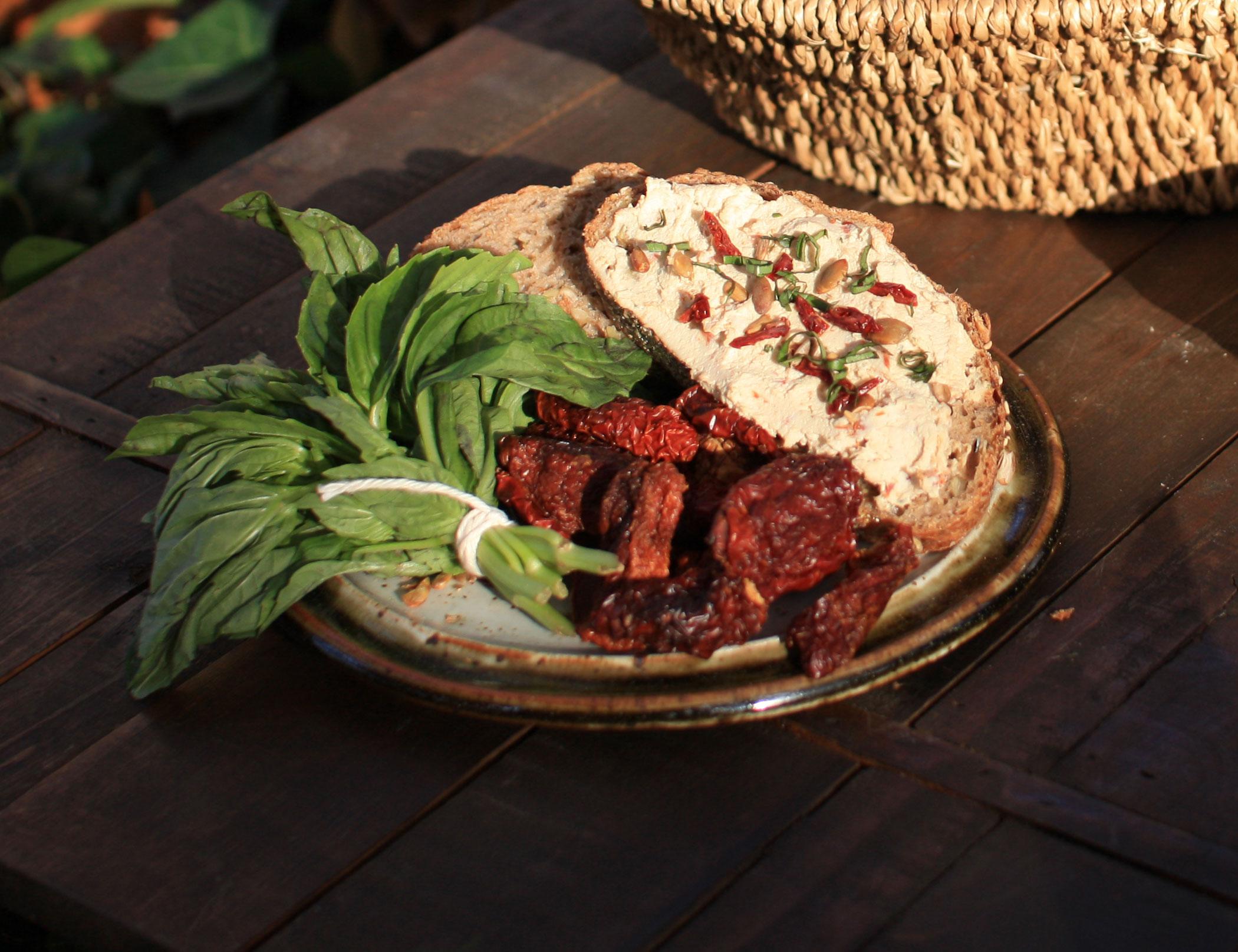 SDT - Vegan_sun_dried_tomato_basil_cheese1.jpg