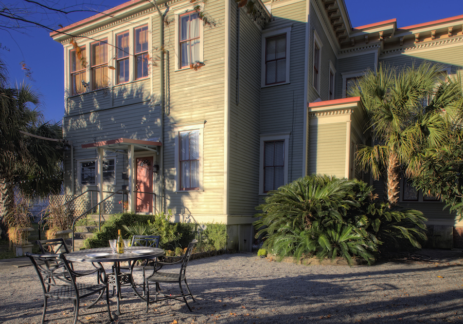 Top Bed and Breakfast in Savannah, Printmakers Inn Back Yard.jpg