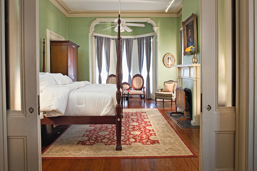 Top Bed and Breakfast in Savannah GA, Printmaker's Inn Button Master.jpg