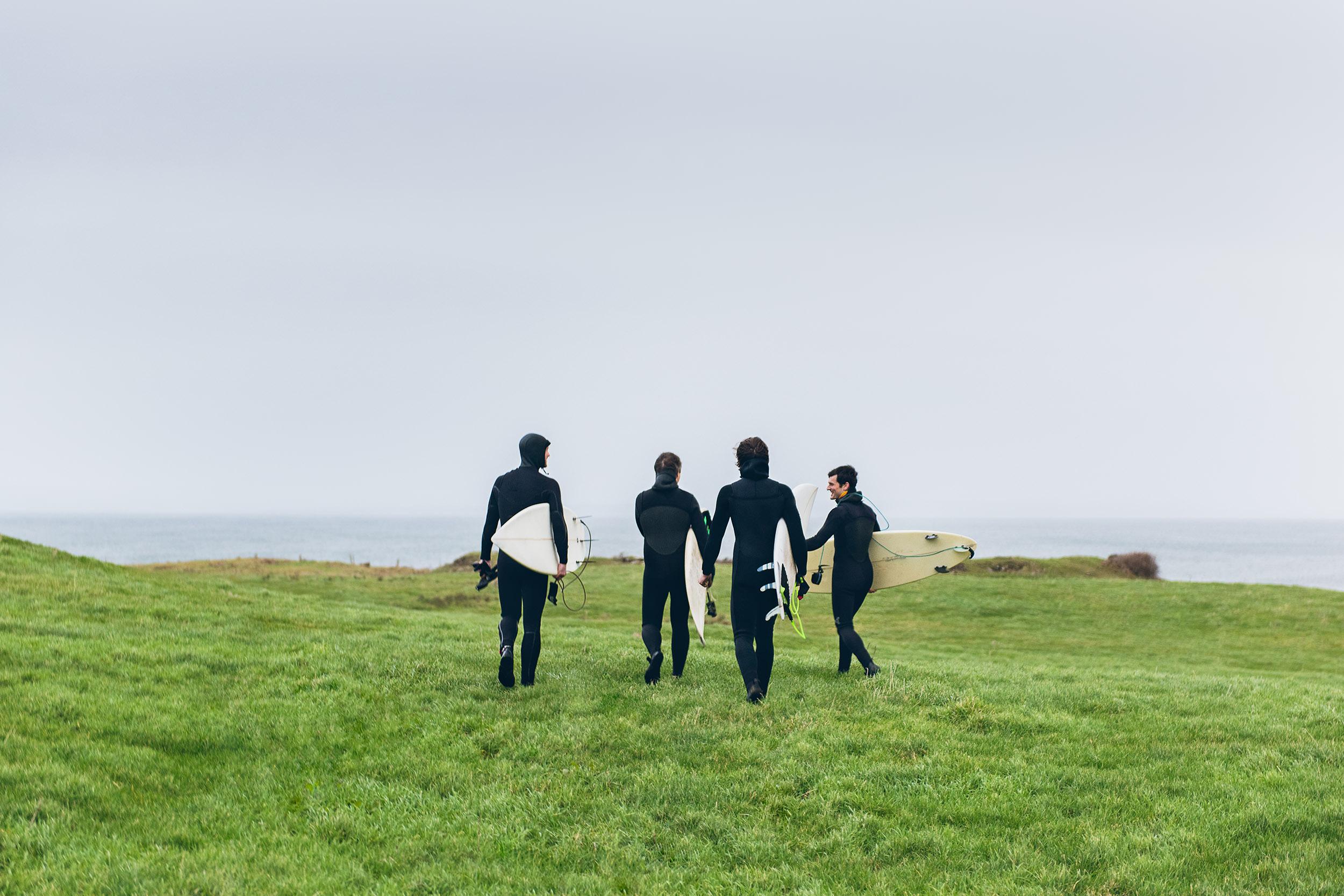 20-outdoor-adventure-surfing-winter-ireland-surfers.jpg
