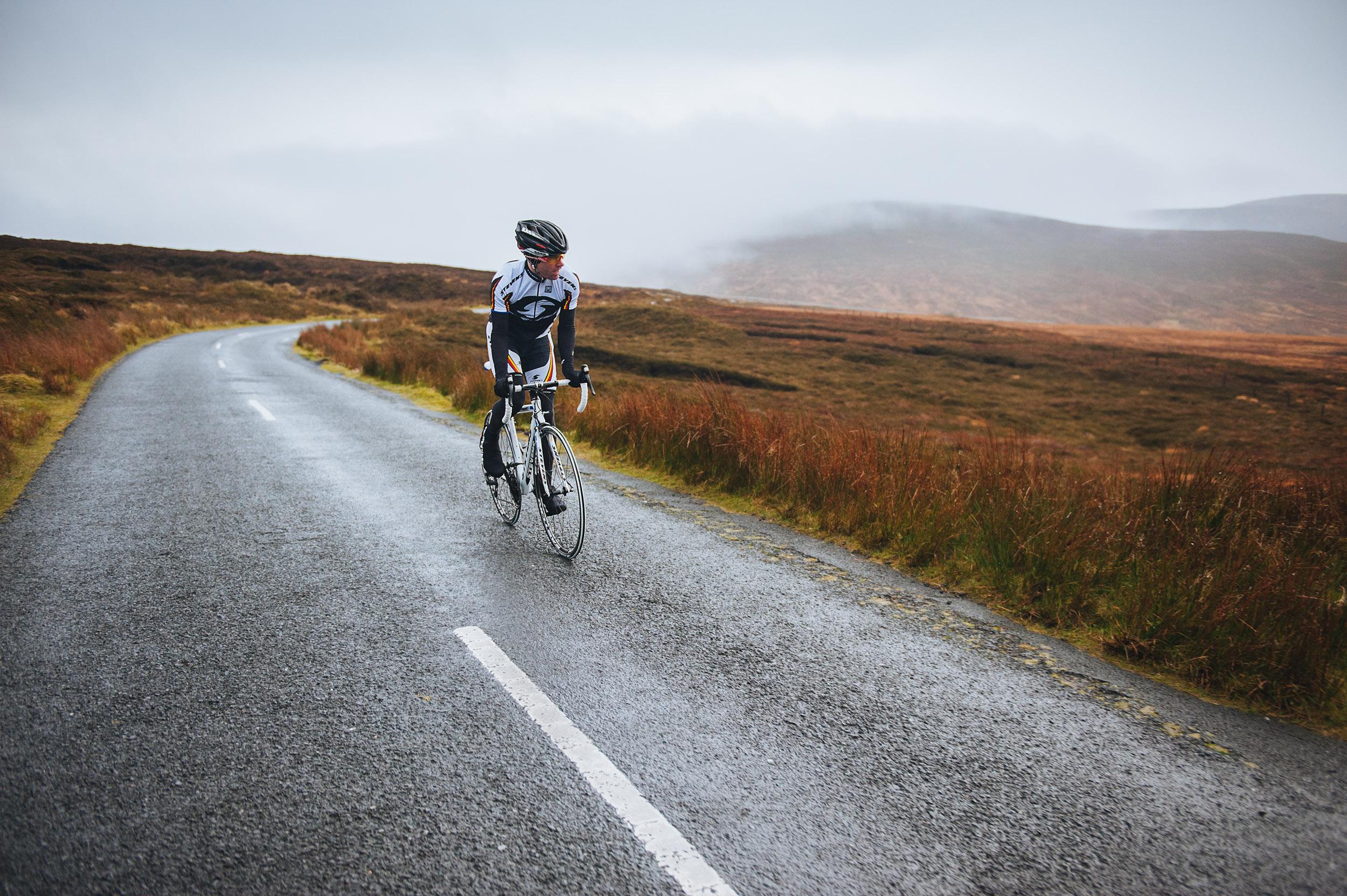 24-outdoor-ireland-mountains-wicklow-cycling-road-bike.jpg