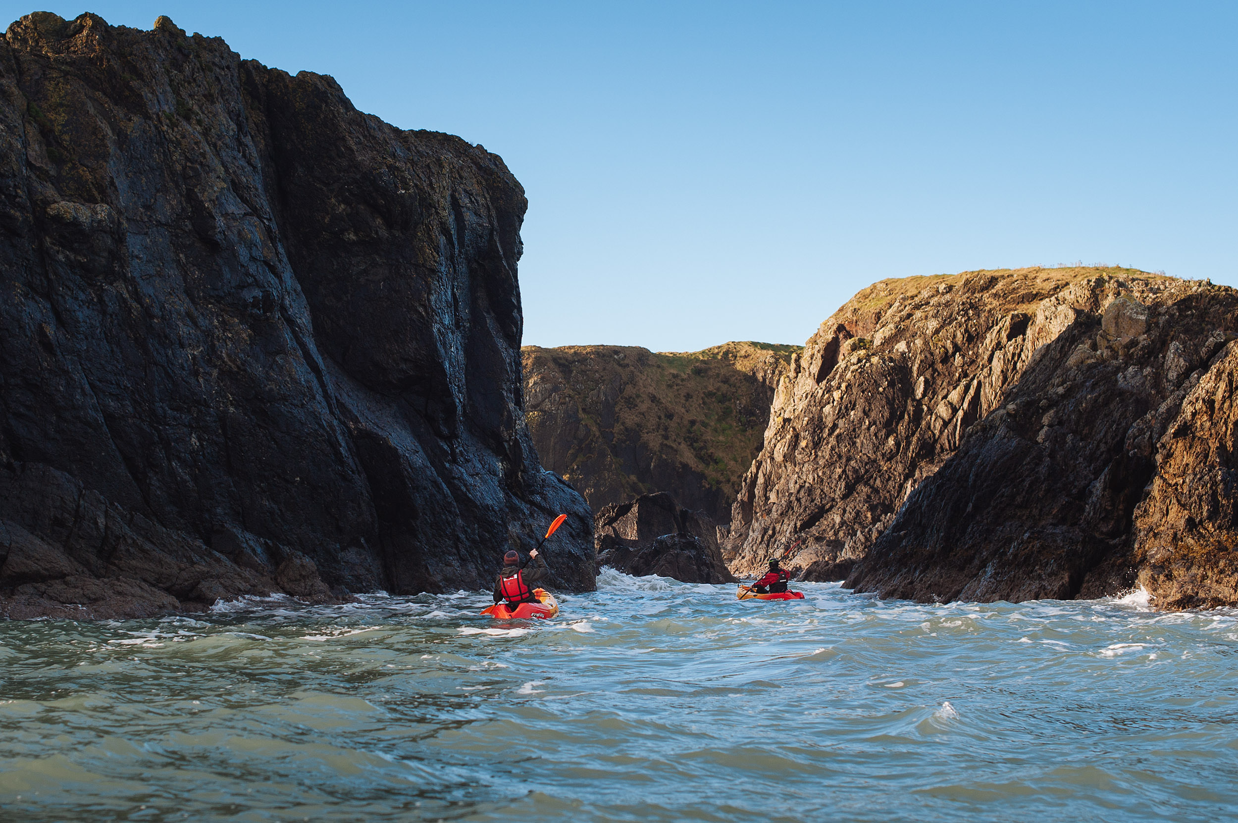 09-outdoor-seak-kayaking-kayak-adventure-ireland-hook-penninsula.jpg