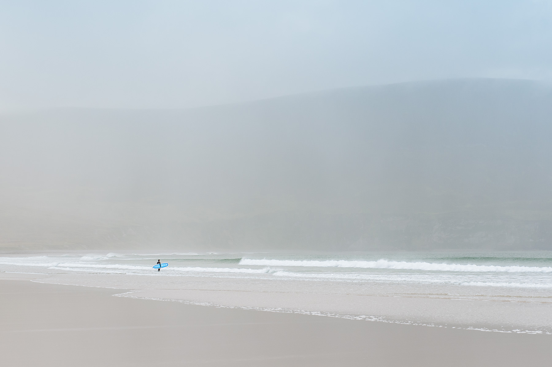 winter-surfing-ireland-sport-adventure-08.jpg
