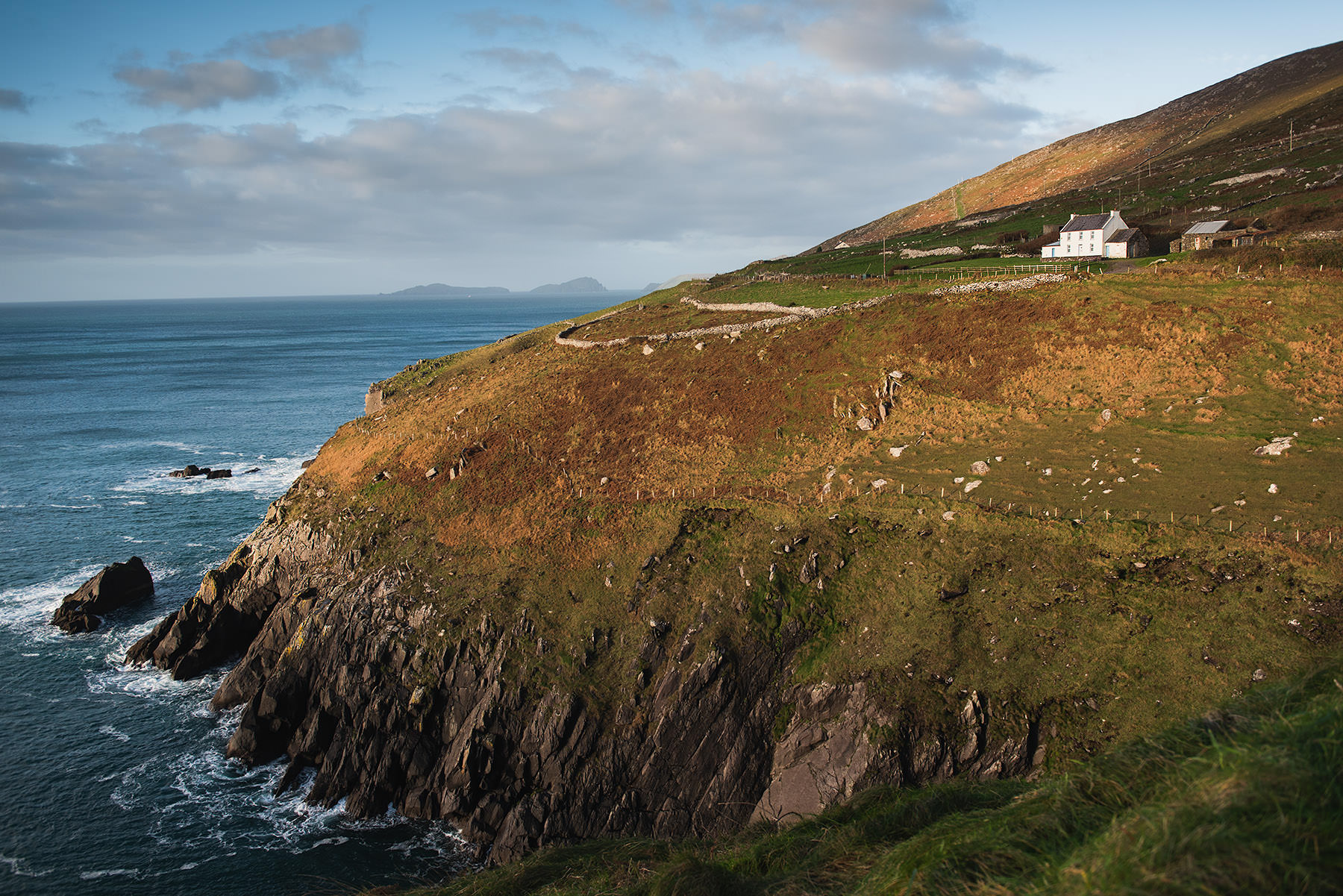 11-travel-ireland-dingle-cliff-ring-of-kerry.jpg