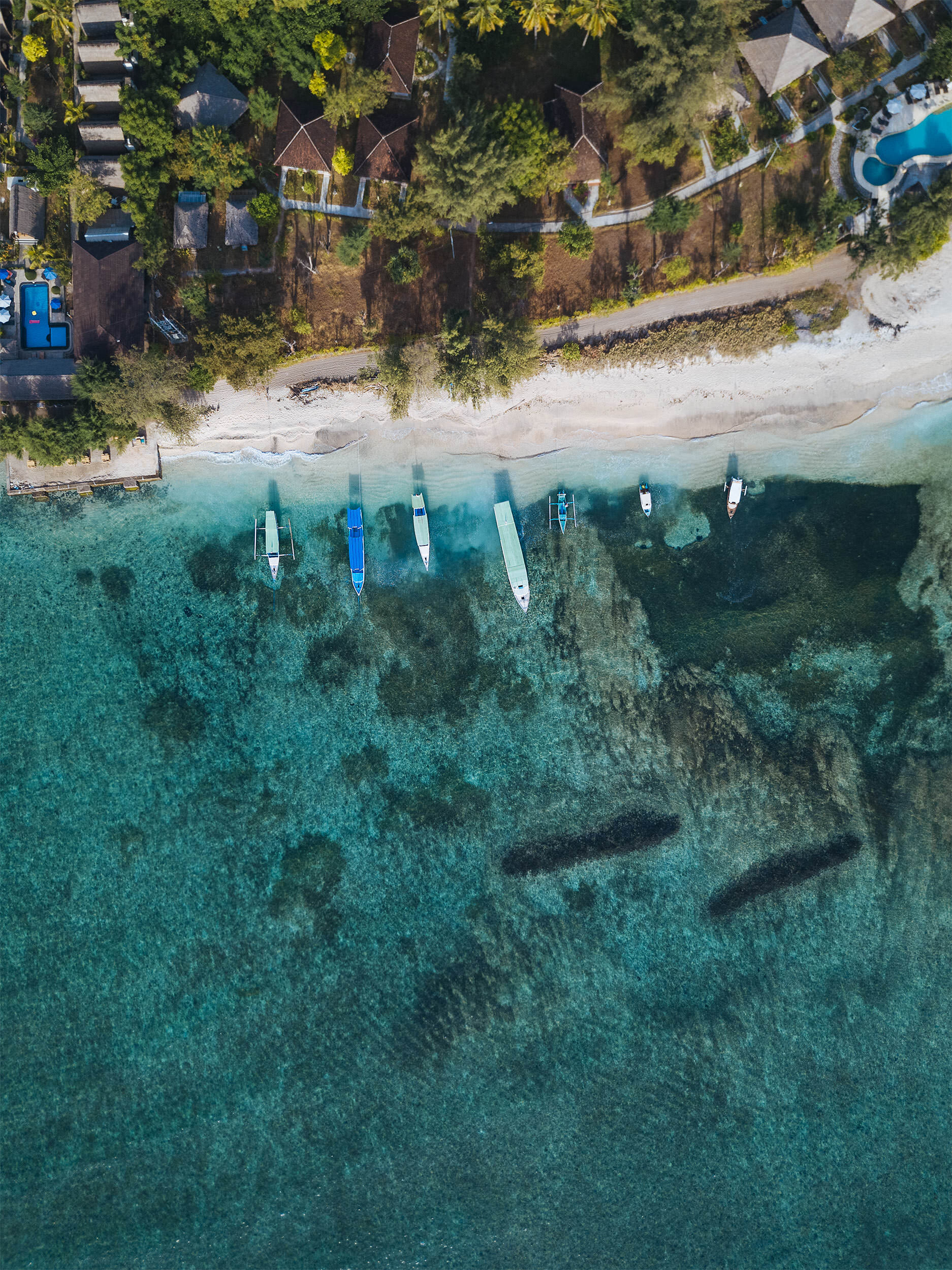 02-travel-indonesia-gili-island-air-drone-beach.jpg