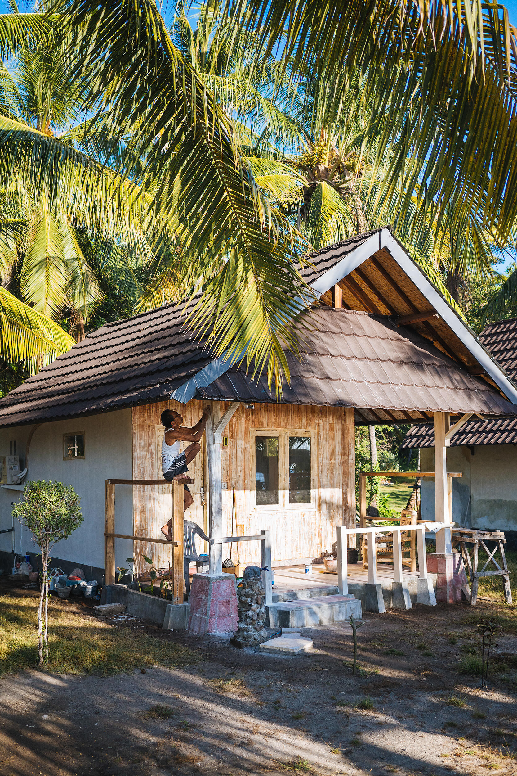 05-travel-indonesia-gili-island-air-sunrise-hut.jpg