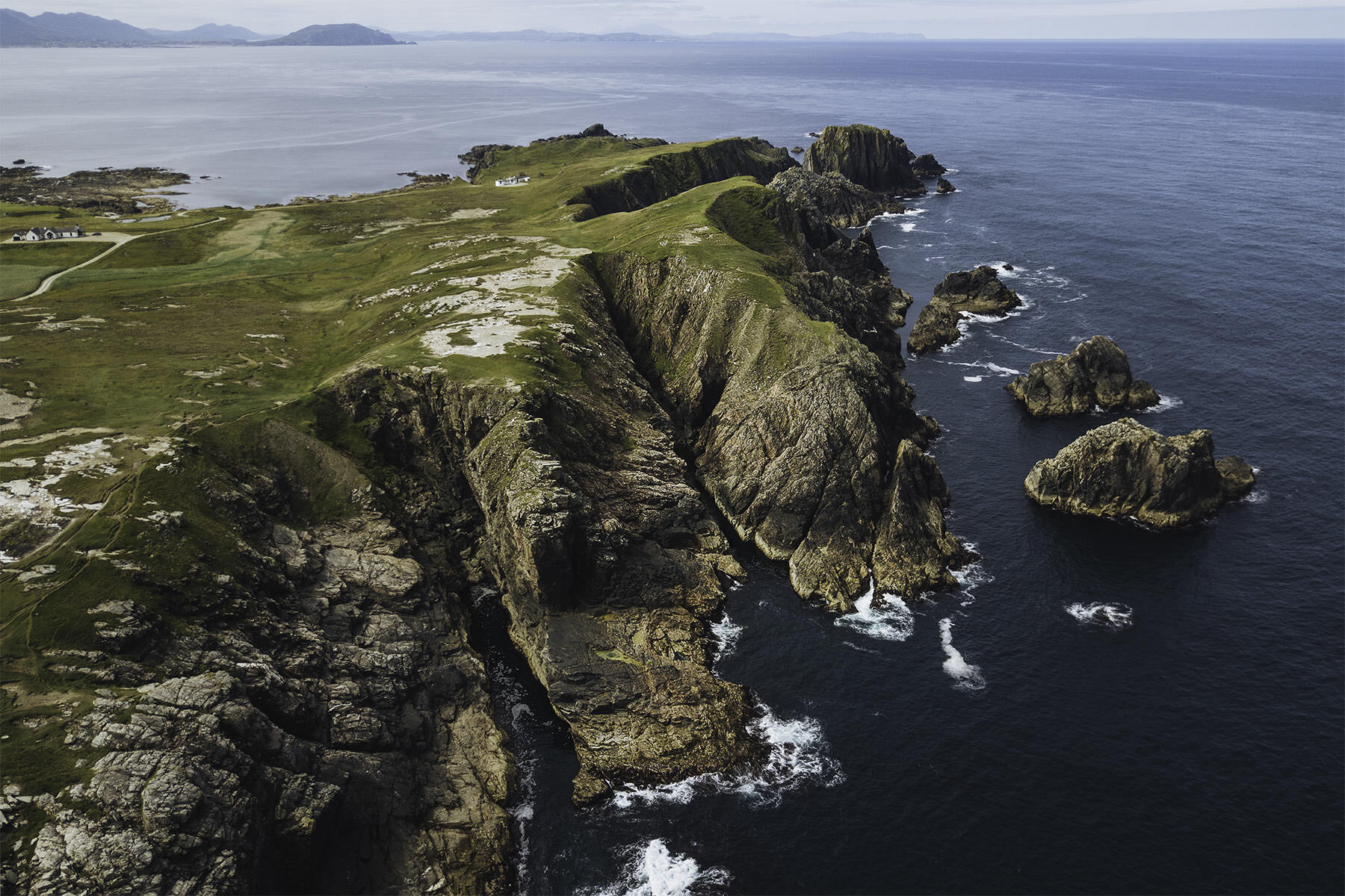 travel-ireland-cliff-malin-head.jpg