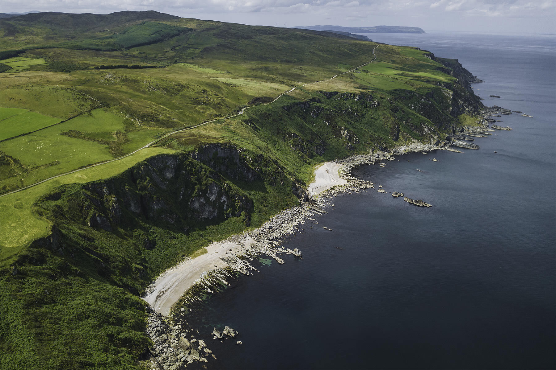travel-ireland-donegal-inishowen-cliffs-beach.jpg