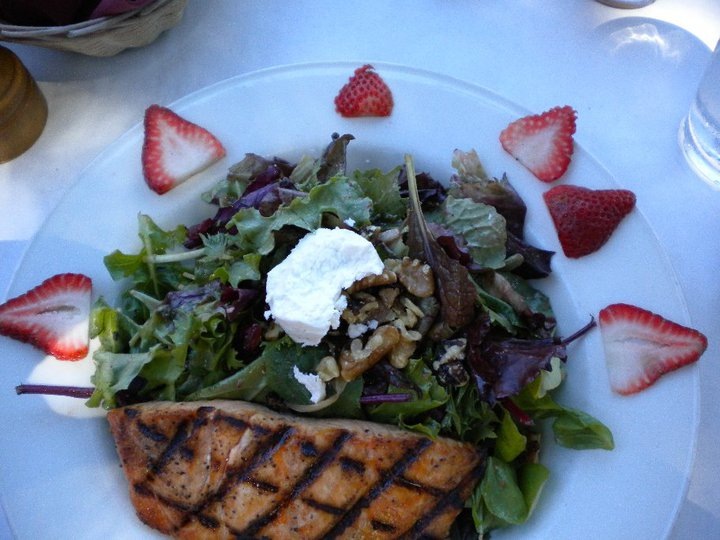 Grilled Salmon Salad.jpg