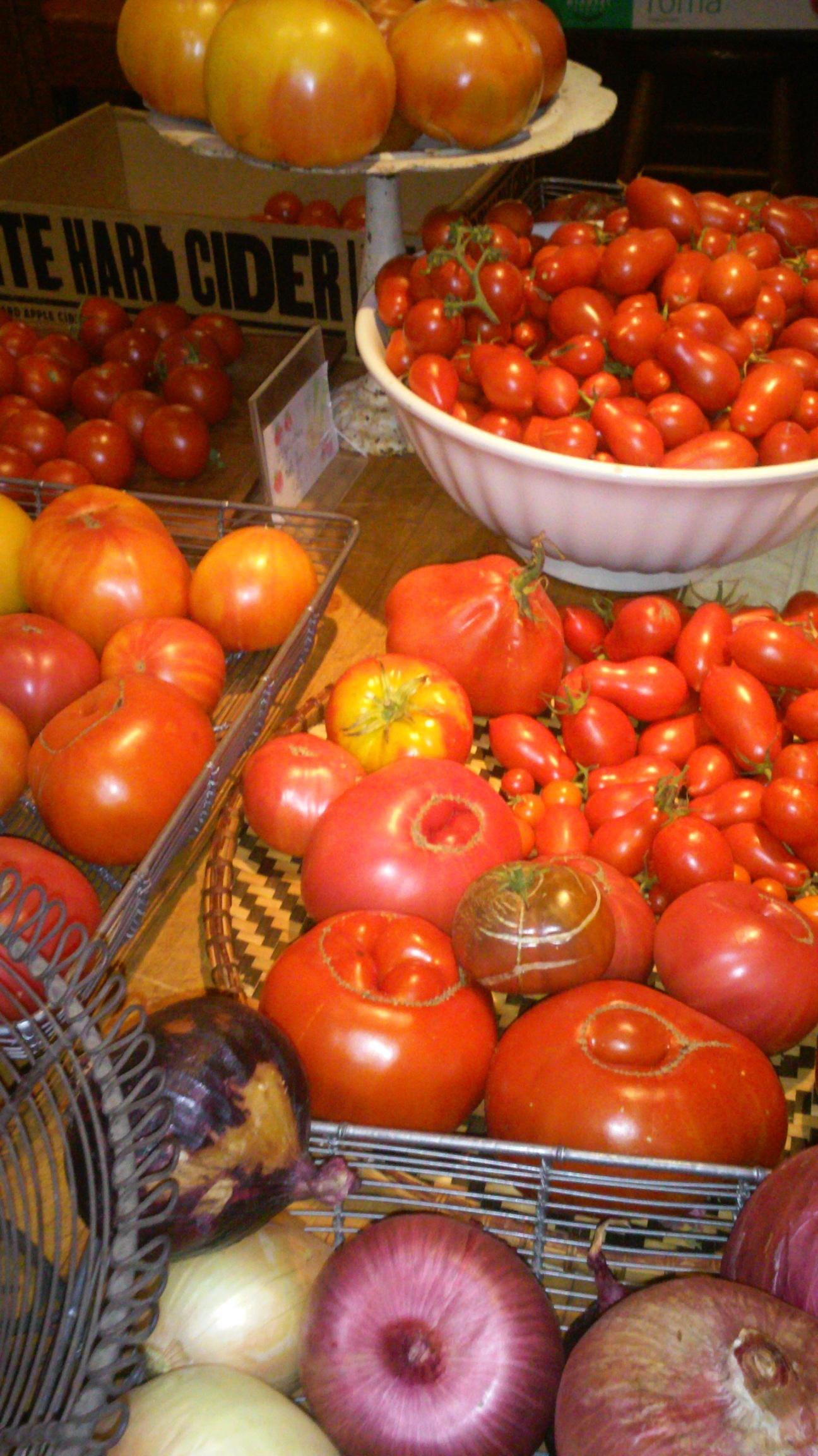 produce tomato display 2.jpg