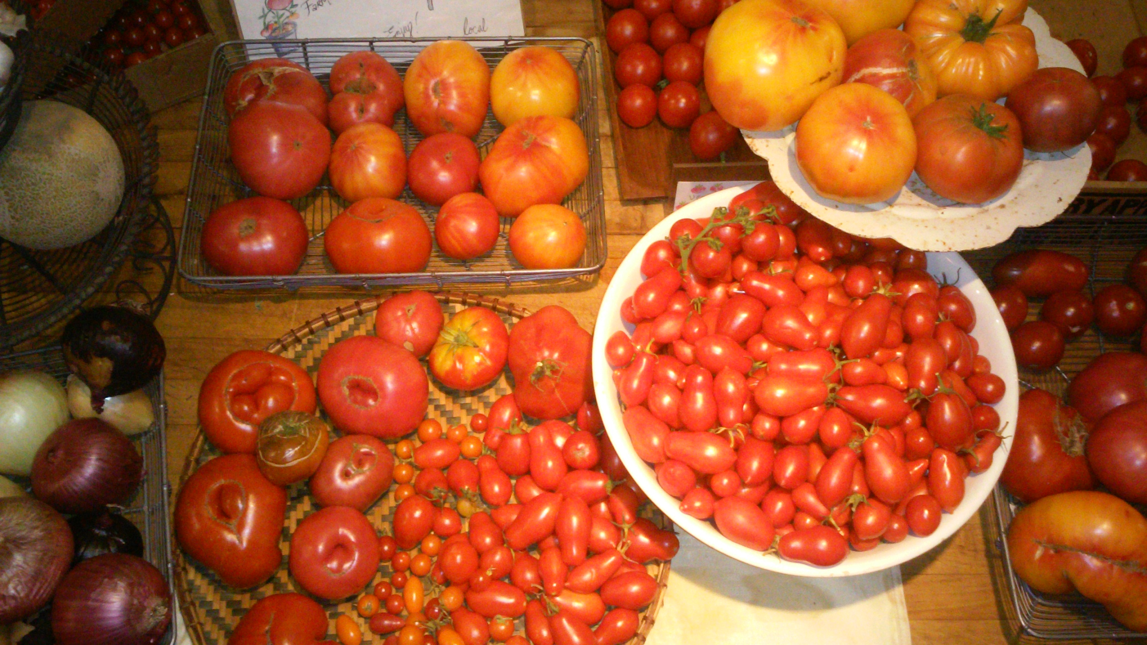 produce tomato red table.jpg