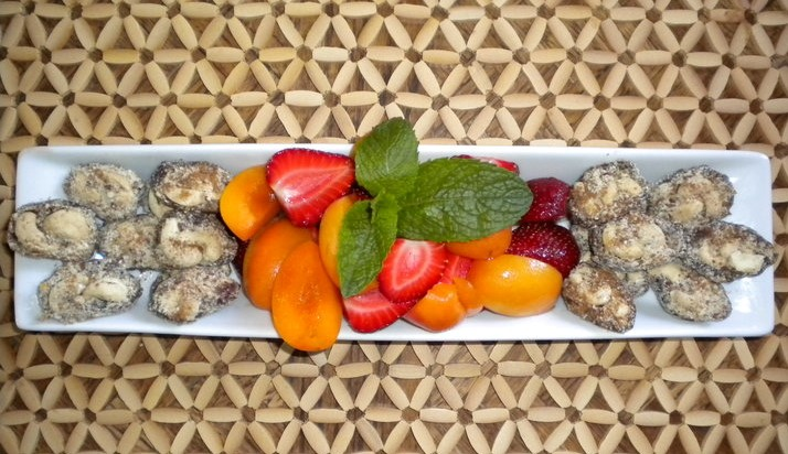 platter stuffed dates fruit.jpg