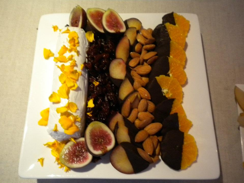 platter figs choc fruit.jpg