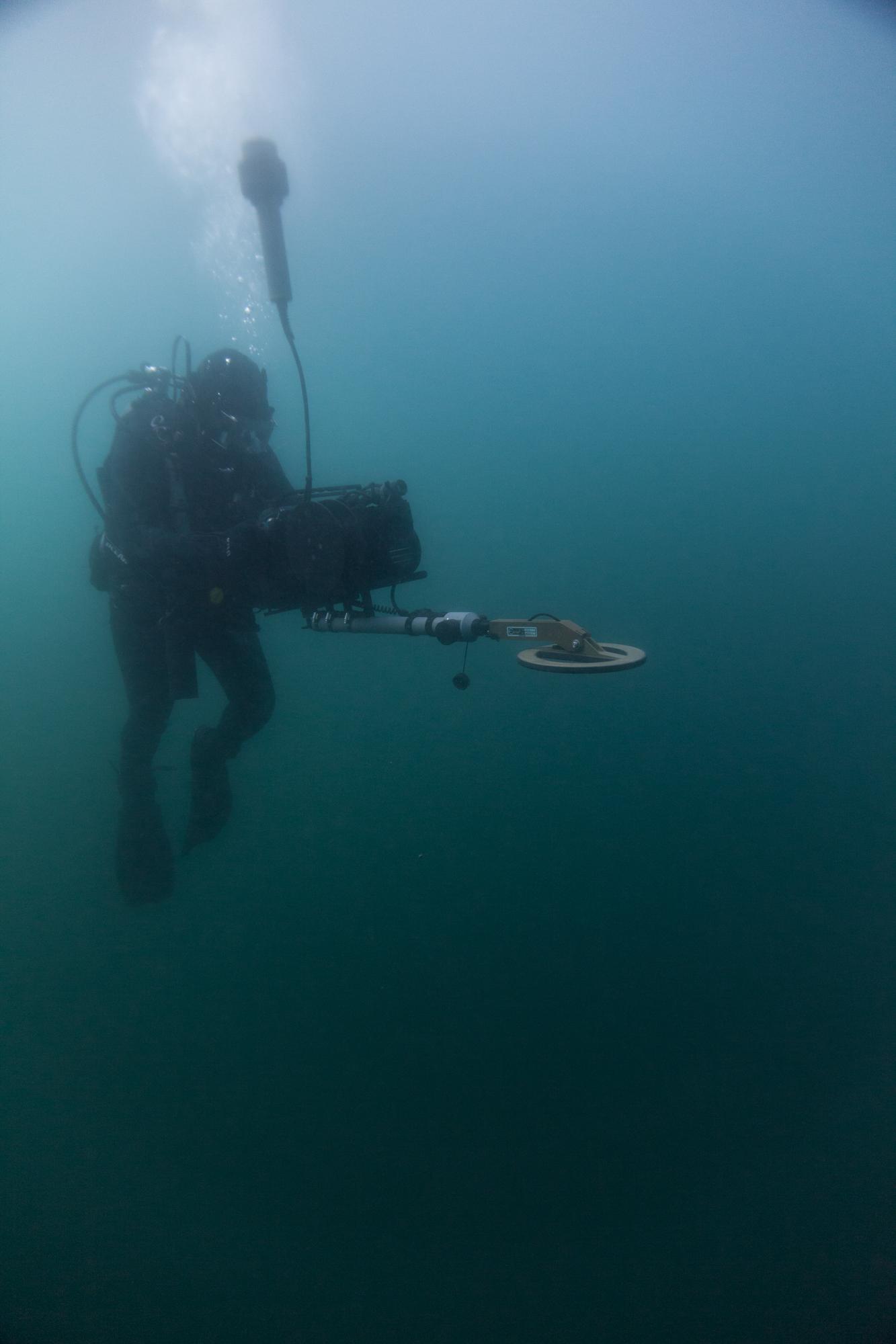 Jim Honey of Shark Marine operating his Diver Navigation system with Multi-beam sonar and Metal Detector