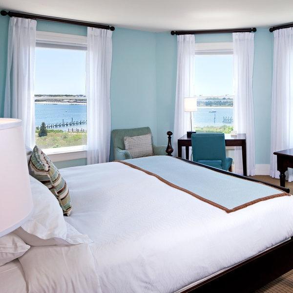 bedroom-classic-suite-villa.jpeg