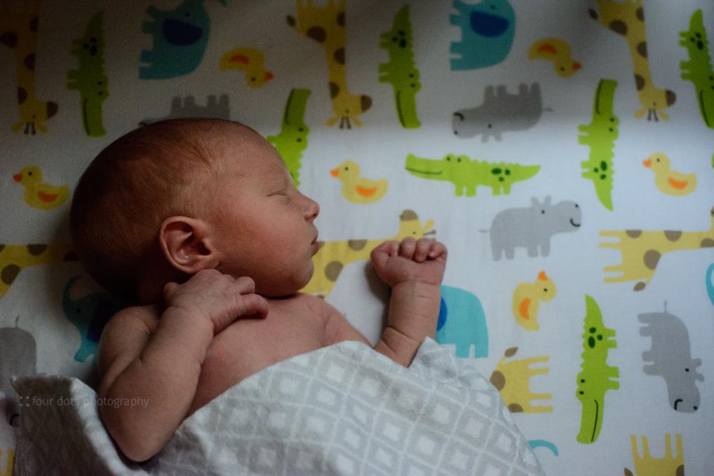 NewbornHenryLowRes-5.jpg